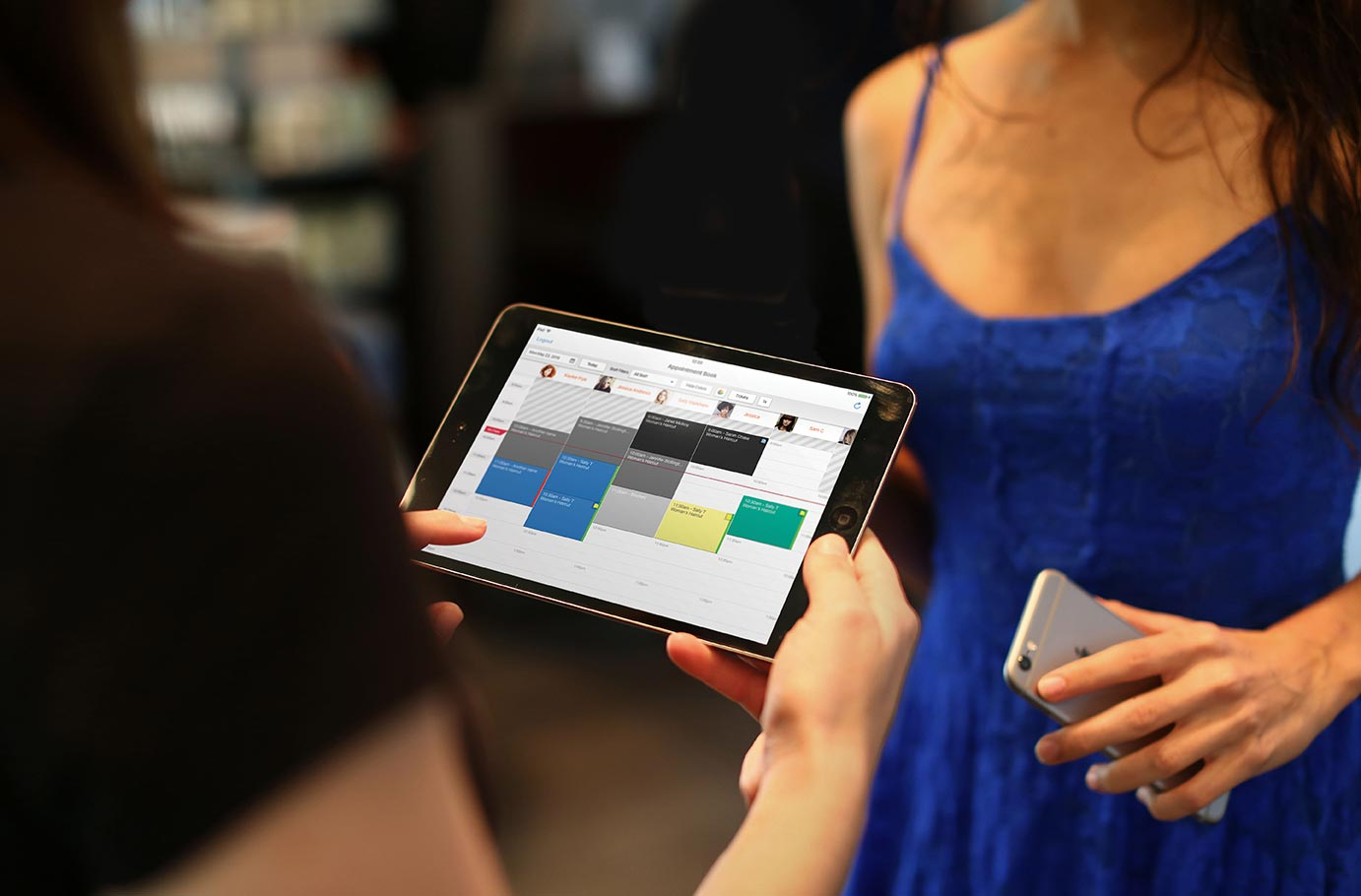 Streamlining check in: Stylists get all their guest's info delivered directly to their phone or tablet—instantly.