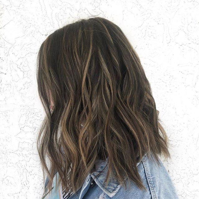 Sunkissed lob☀️#avedaartist #avedaflorida #repost @hairbytyramarie of @oneavedasalon . . . #aveda #avedahaircare #avedastudent #avedainstitutesouthfl  #avedastylist #avedapunks #avedasalon #avedacolor #avedahaircolor #avedacolorist #avedabalayage #smellslikeaveda #knowwhatyouremadeof #behindthechair #modernsalon #beautylaunchpad #hairbrained #salontoday #cosmoproof #maneaddicts #instahair #lobhaircut #darkbalayage #texturedlob #sunkissedhair #oneavedasalon #delraybeachfl
