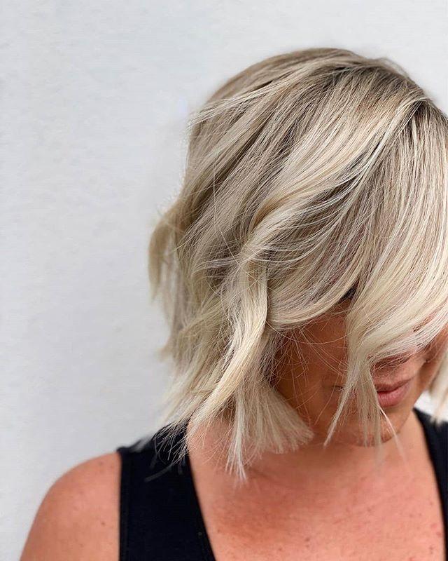 Details👌🌟#avedaartist #avedaflorida #repost @brit.salonblond of @thesalonblond . . . it's all in the details ✨ . . . #aveda #avedahaircare #avedastudent #avedainstitutesouthfl  #avedastylist #avedapunks #avedasalon #avedacolor #avedahaircolor #avedalove #avedacolorist #avedabalayage #behindthechair #modernsalon #beautylaunchpad #hairbrained #salontoday #cosmoproof #maneaddicts #instahair #avedablonde #dimensionalblonde #blondelob #thesalonblonde #dundedinfl
