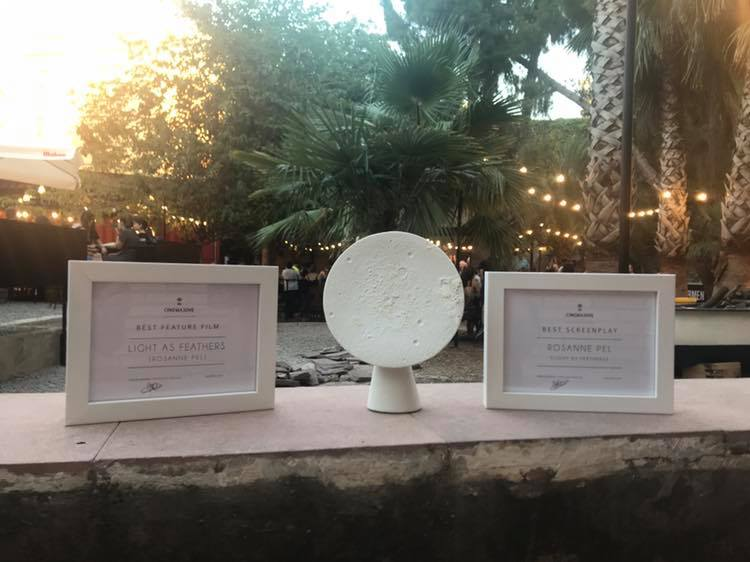 Yes, we won! - Light as Feathers won the 'Luna de Valencia' for best feature and an award for best screenplay at CinemaJove Film Festival!