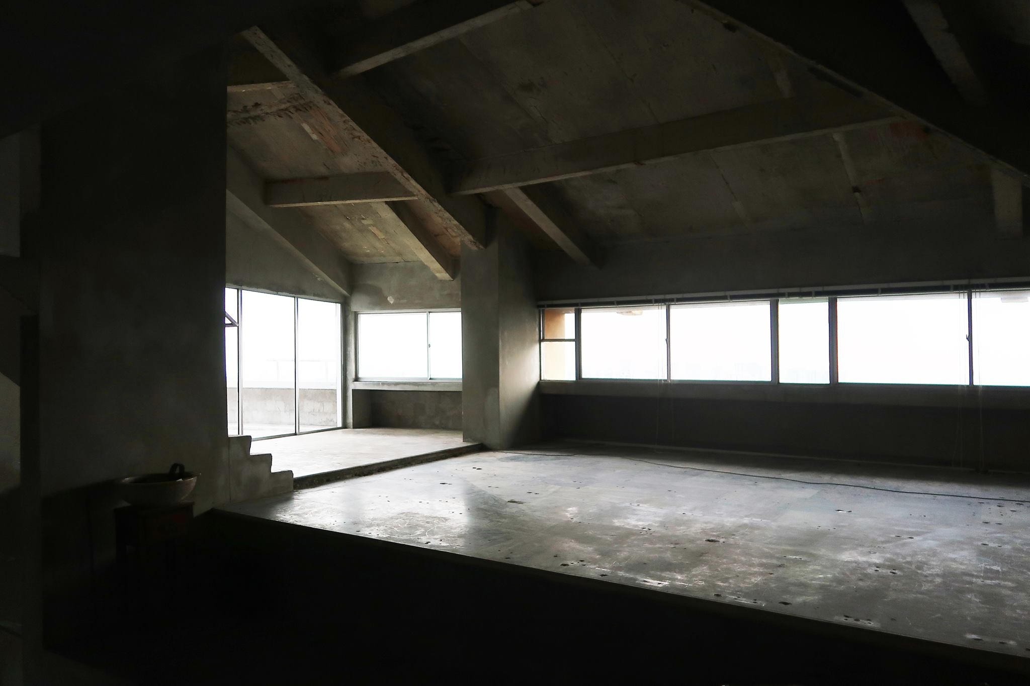 A view of the vacated Penthouse unit post-Enbloc sale.