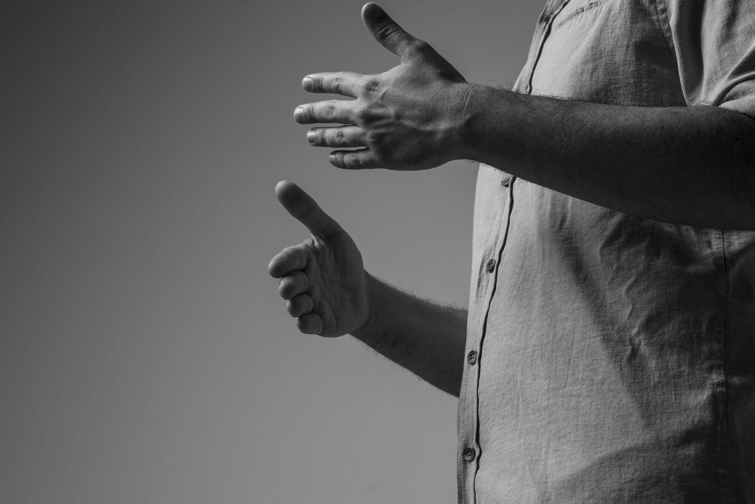 Formación - Licenciado en Psicología por la Universidad de SevillaTerapia EMDR. Asociación española EMDRCertificación Internacional Experto Coaching por el Instituto Europeo de CoachingPosgrado en Coaching, PNL y Liderazgo de Equipos en la Escuela de Negocios Europea de BarcelonaMáster en Dirección de RRHH en EAE Business School Barcelona
