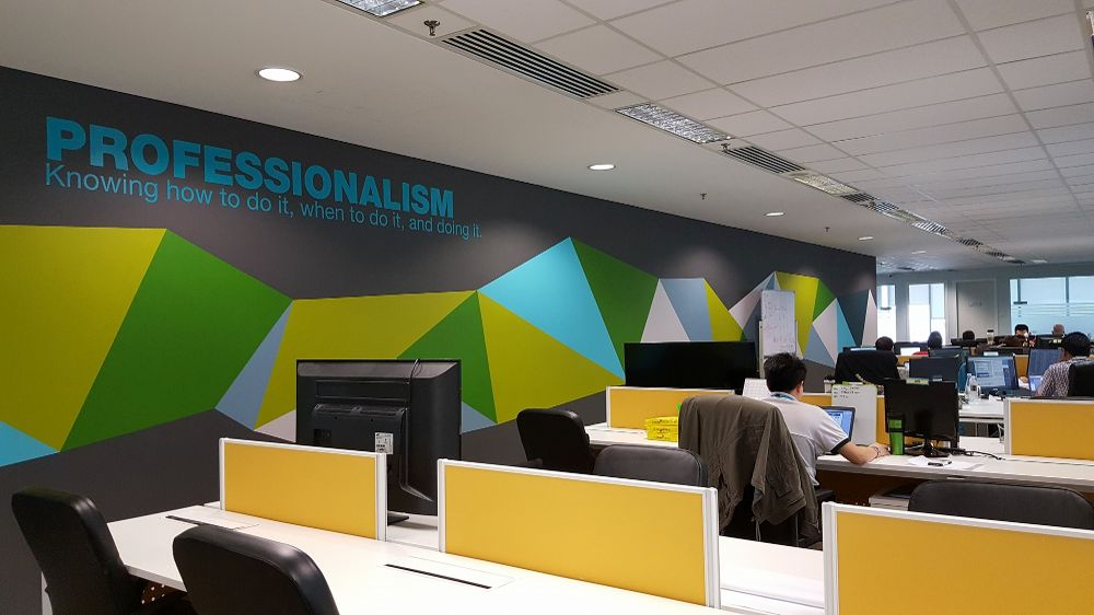striking-open-and-colorful-offices.jpg