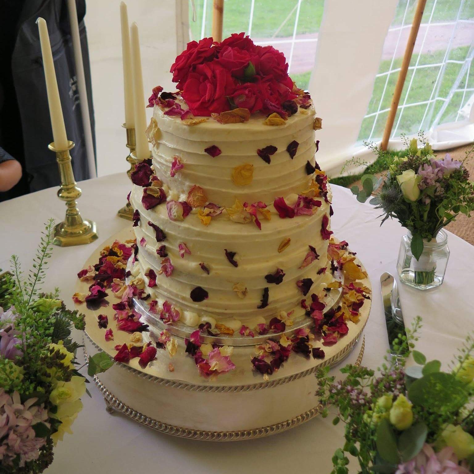 A country garden wedding cake