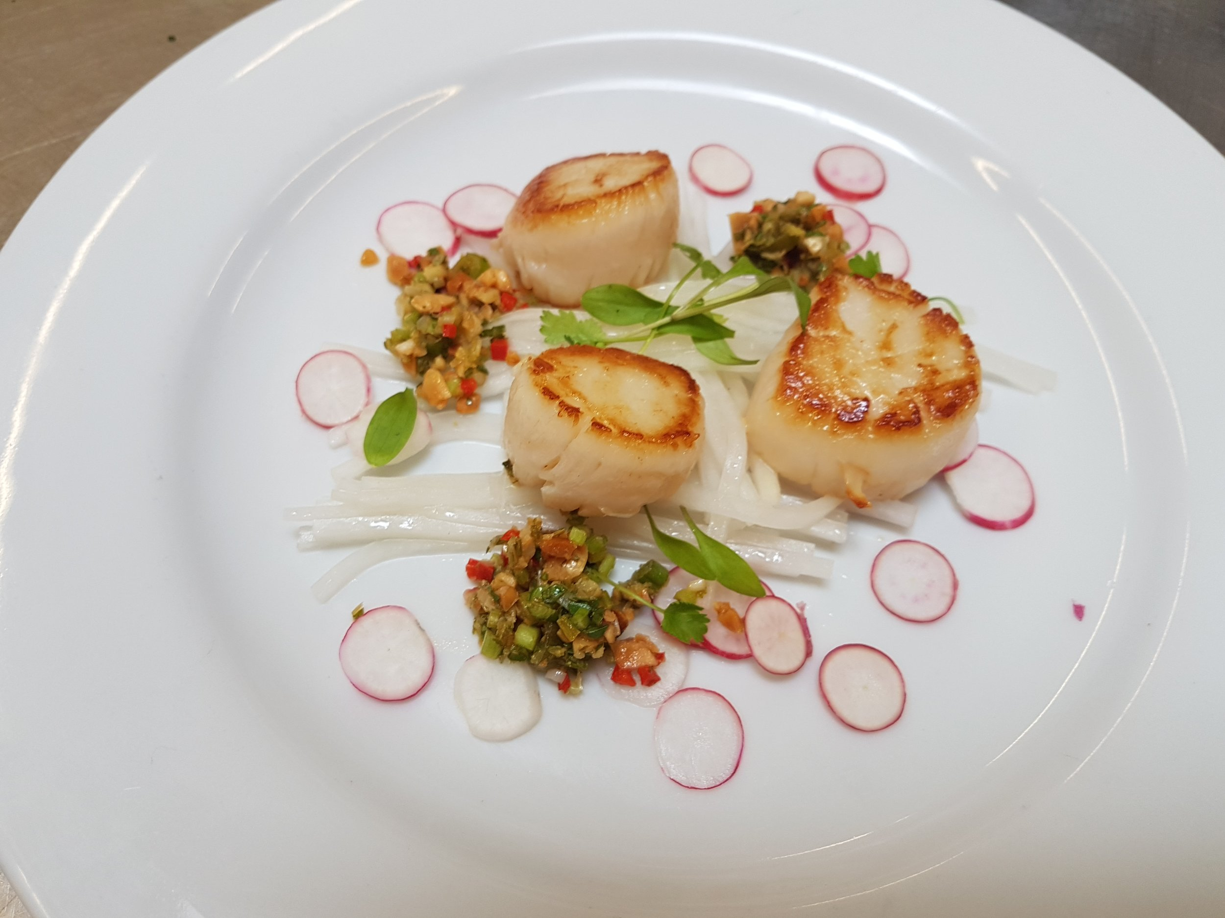 Scallops with chilli, coriander and peanut dressing and breakfast radishes.jpg