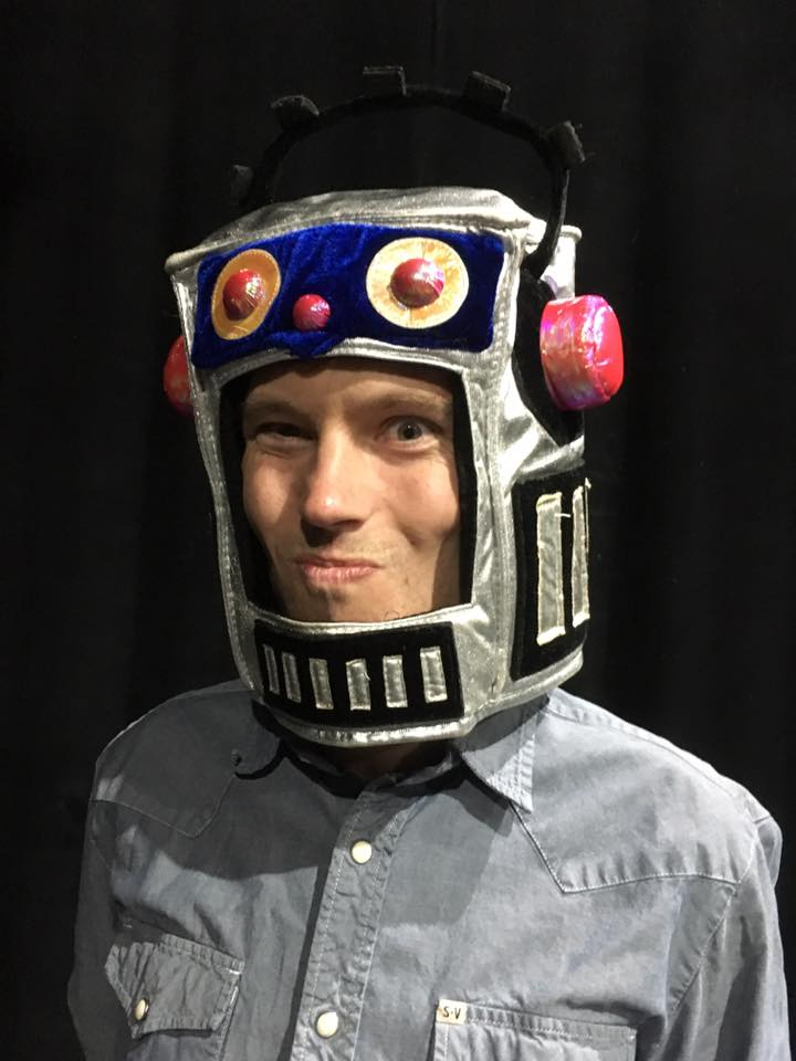 Noah in a robot Head