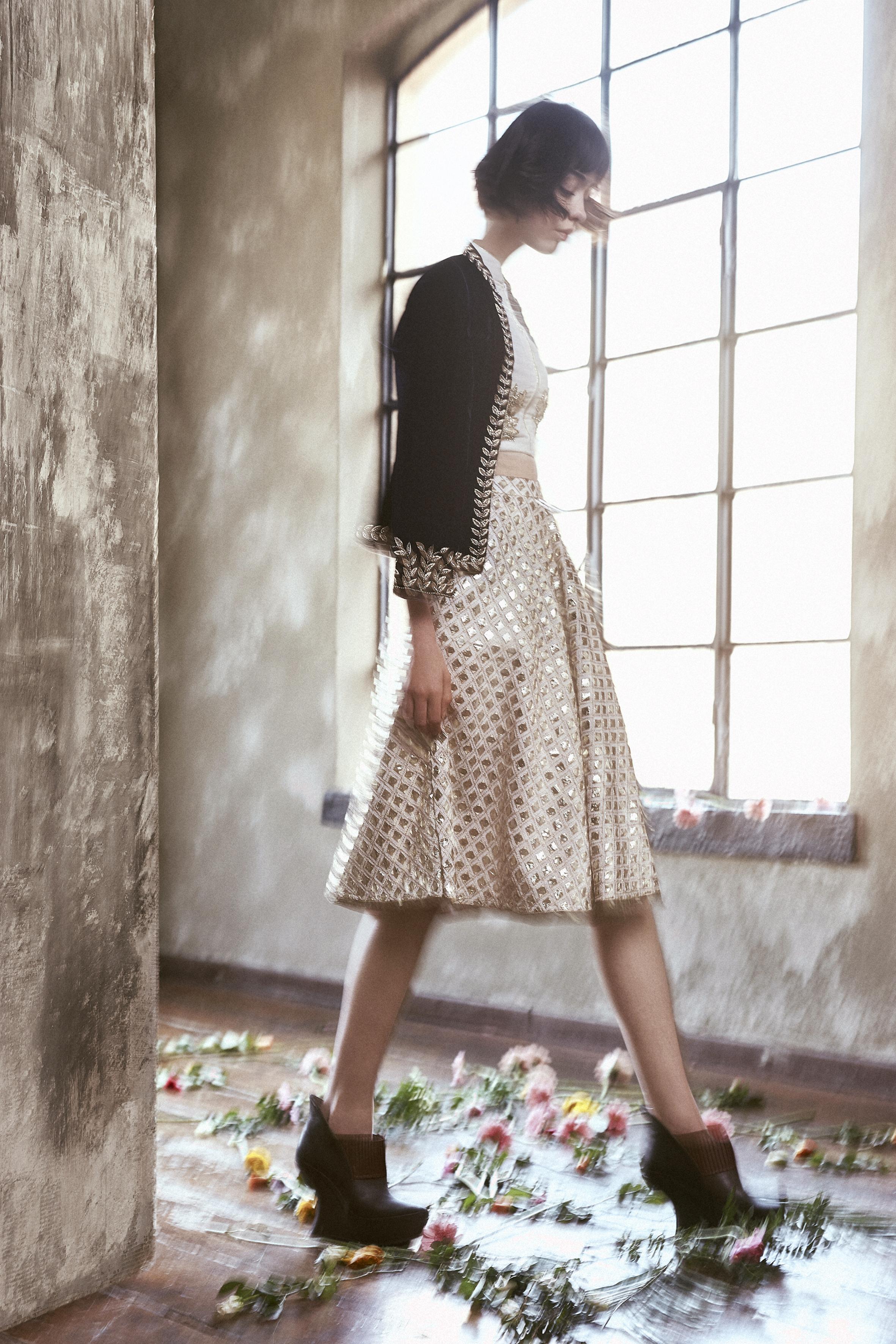 Jacket, skirt, longsleeves top NAURAH USA