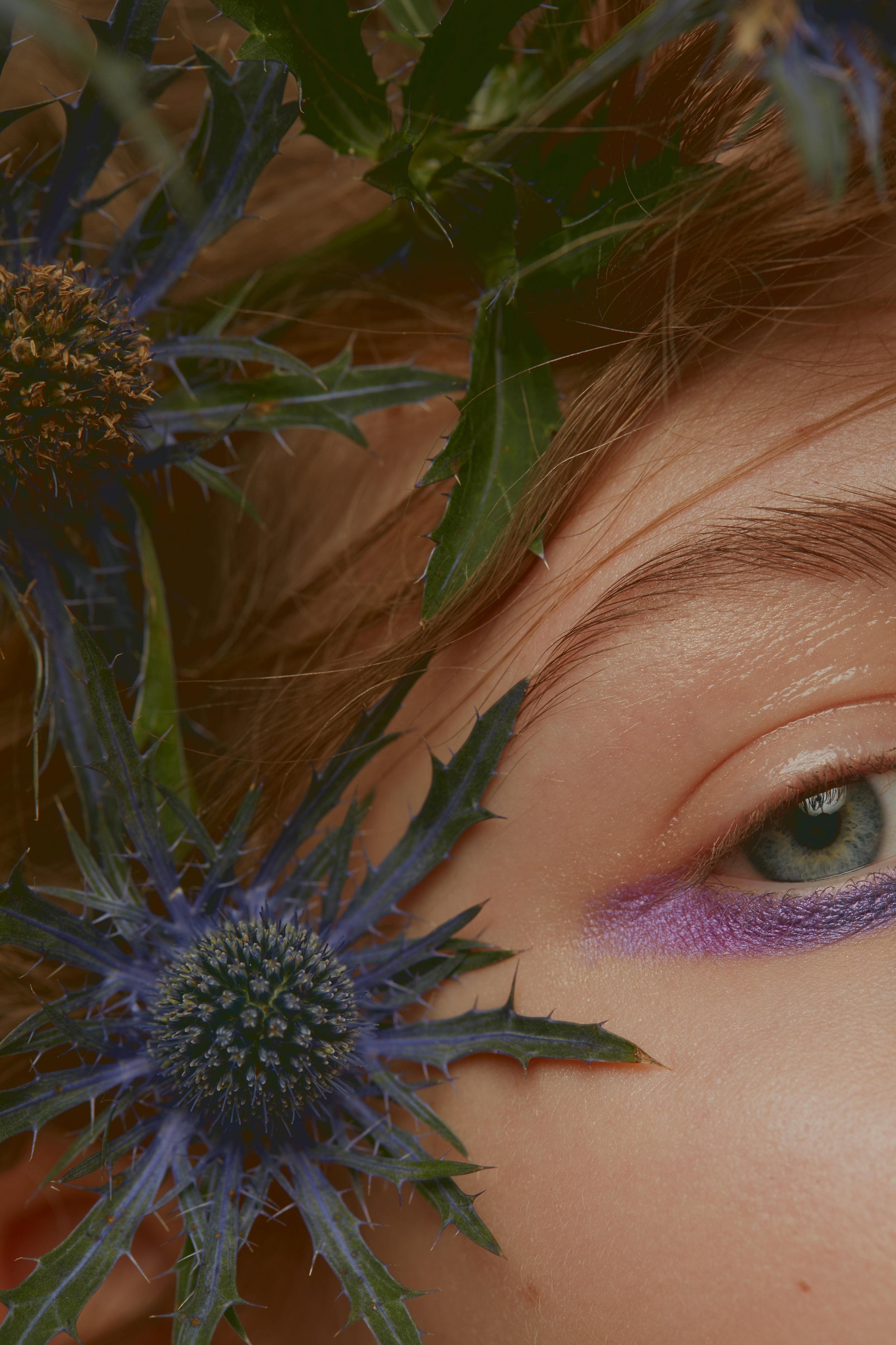 Eye brows MAKE UP FOR EVER, PRO MAKEUP LABORATORY.  Eye shadows KIKO, NAKED. Lips DIOR BACKSTAGE