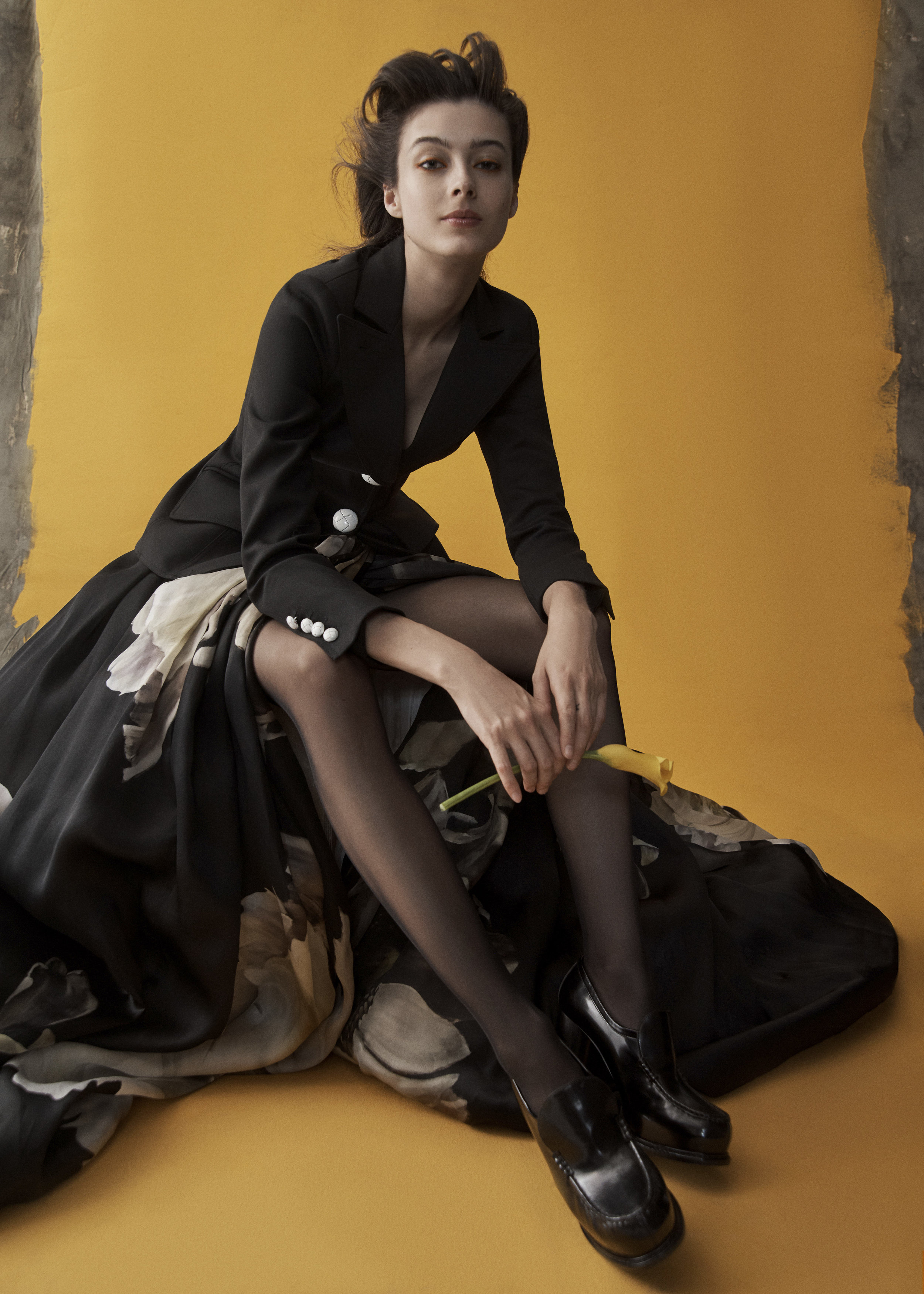 Jacket SMYTHE Skirt SIMONE ELLIS Tights WOLFORD Shoes STELLA MCCARTNEY