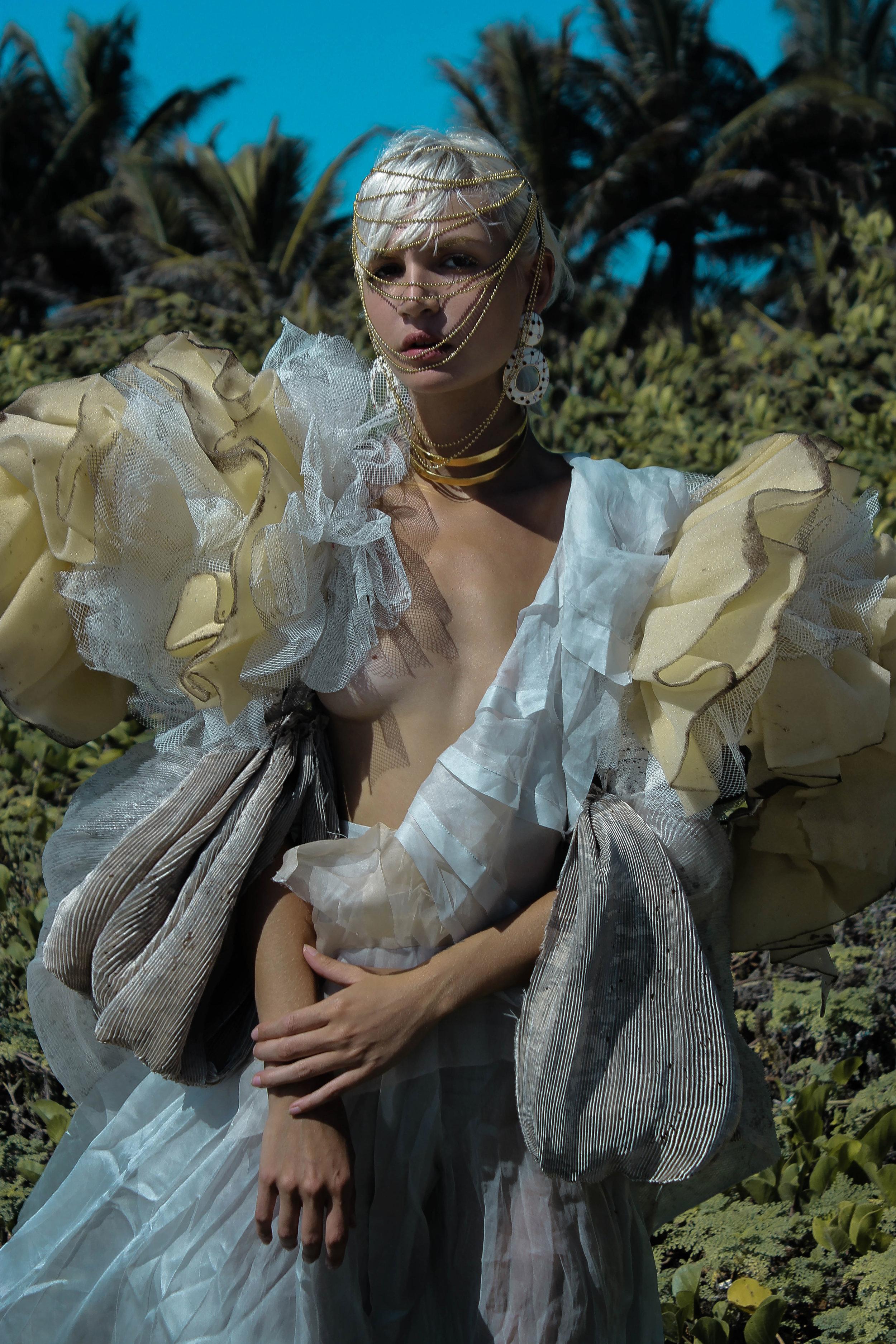 JUMPSUIT: Ana Blumen @ana_blumen JACKET: Maria Ponce @maria.ponce.n NECKLACE: Felina @felinajewelry HEADPIECE: Stylist Own