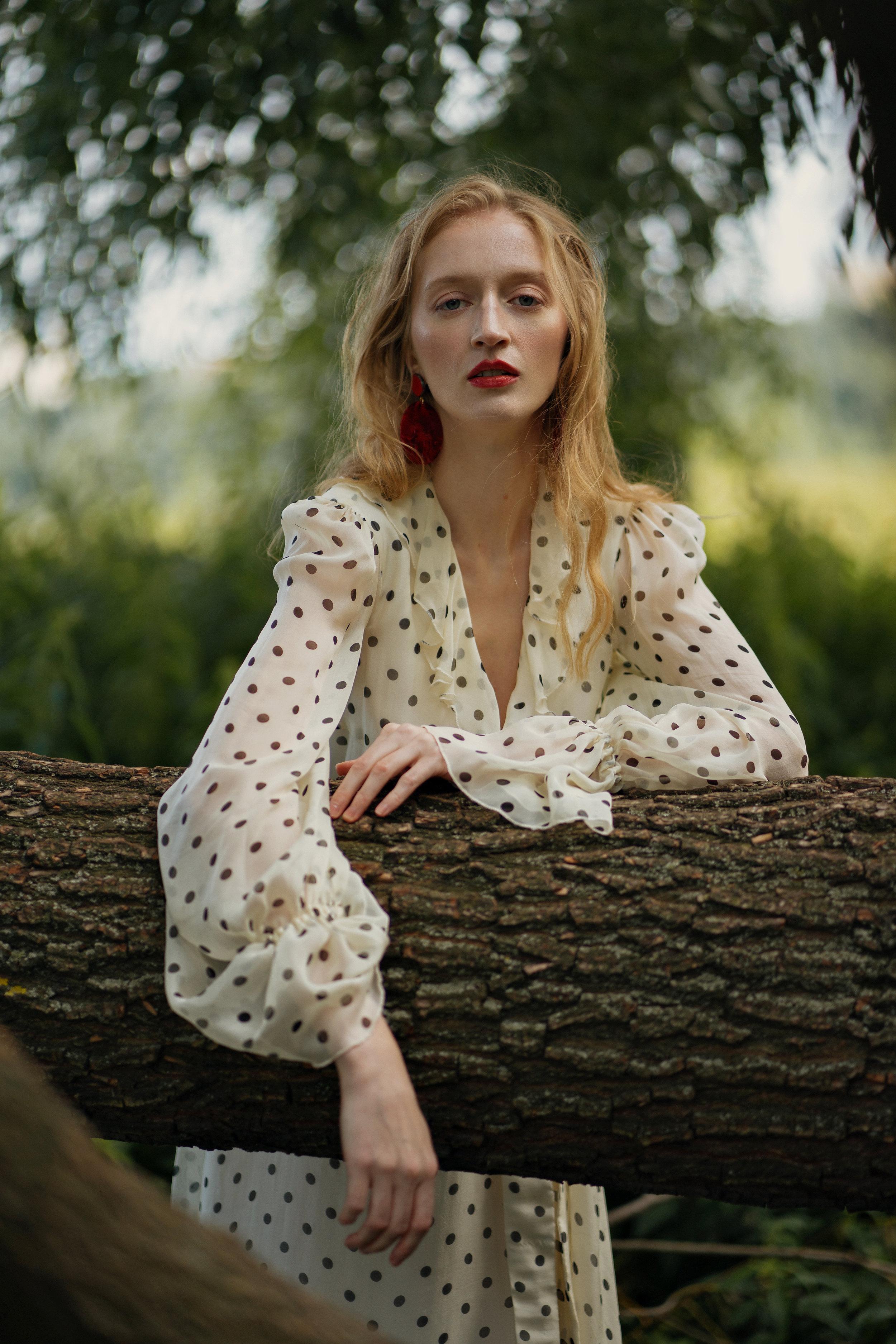 Dress Volfson, earring Defiance project,