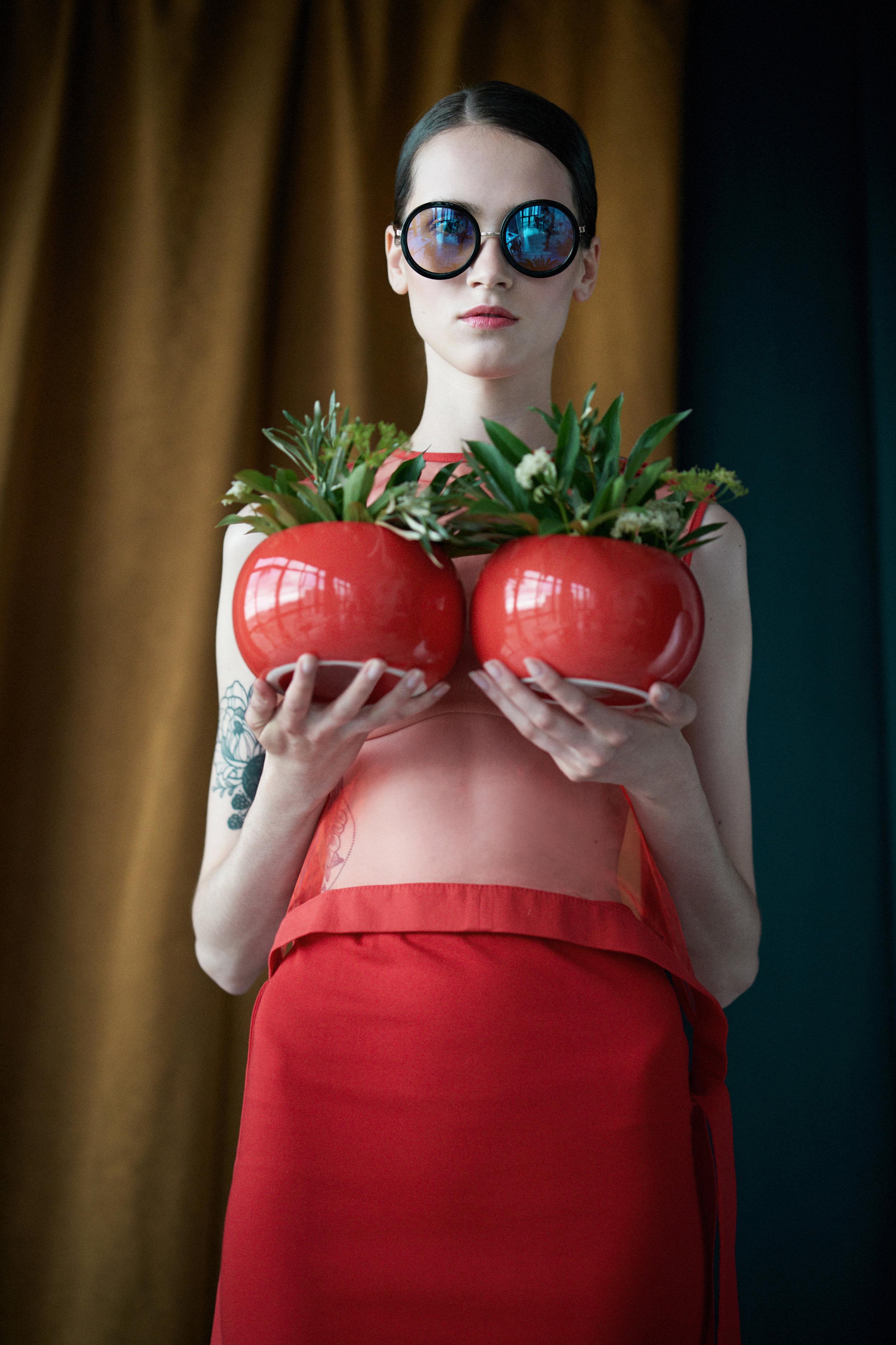 Blouse DerbentcevaT @derbentcevat. Skirt DerbentcevaT @derbentcevat. Glasses – property of stylist
