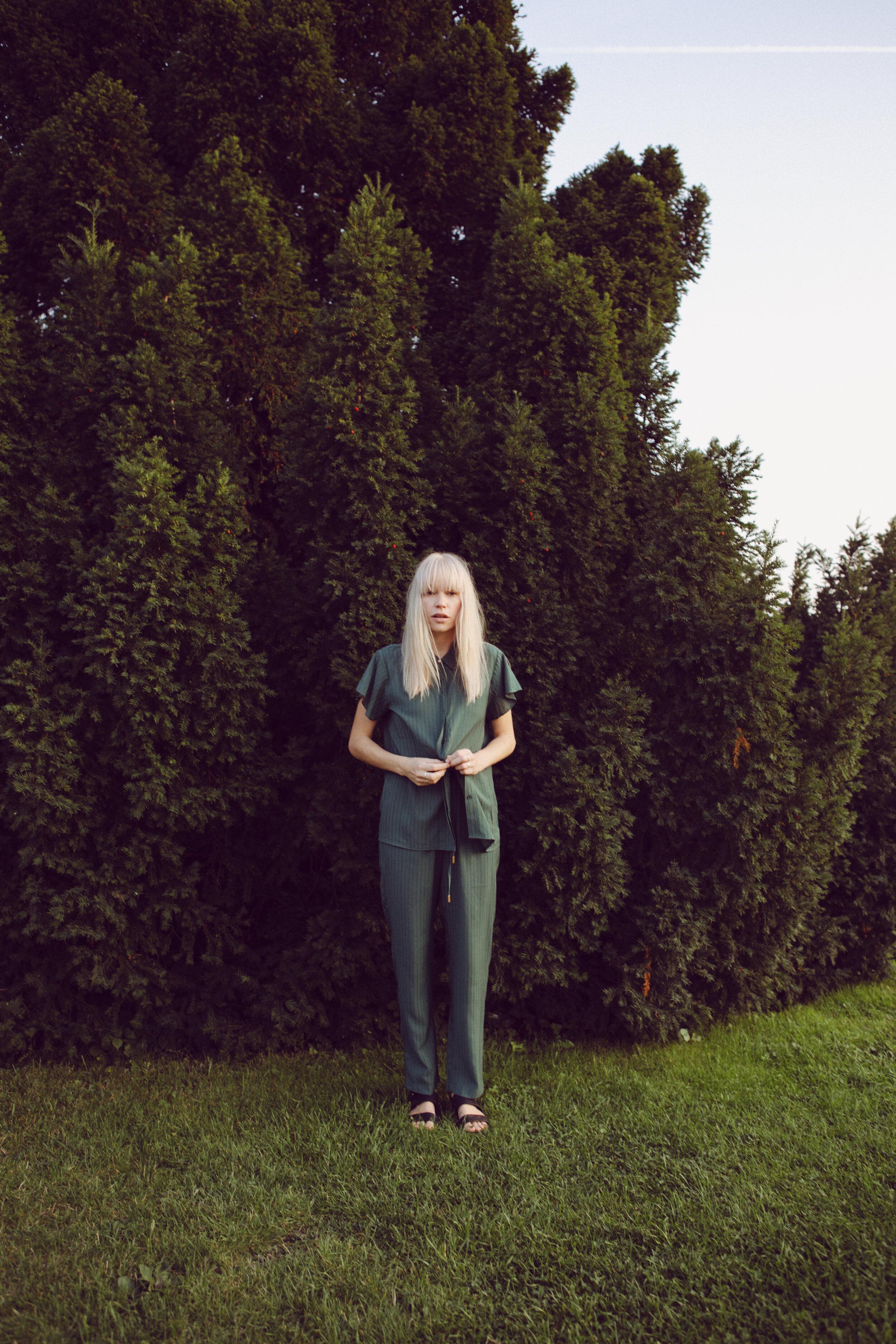 Green short sleeve shirt: Minus