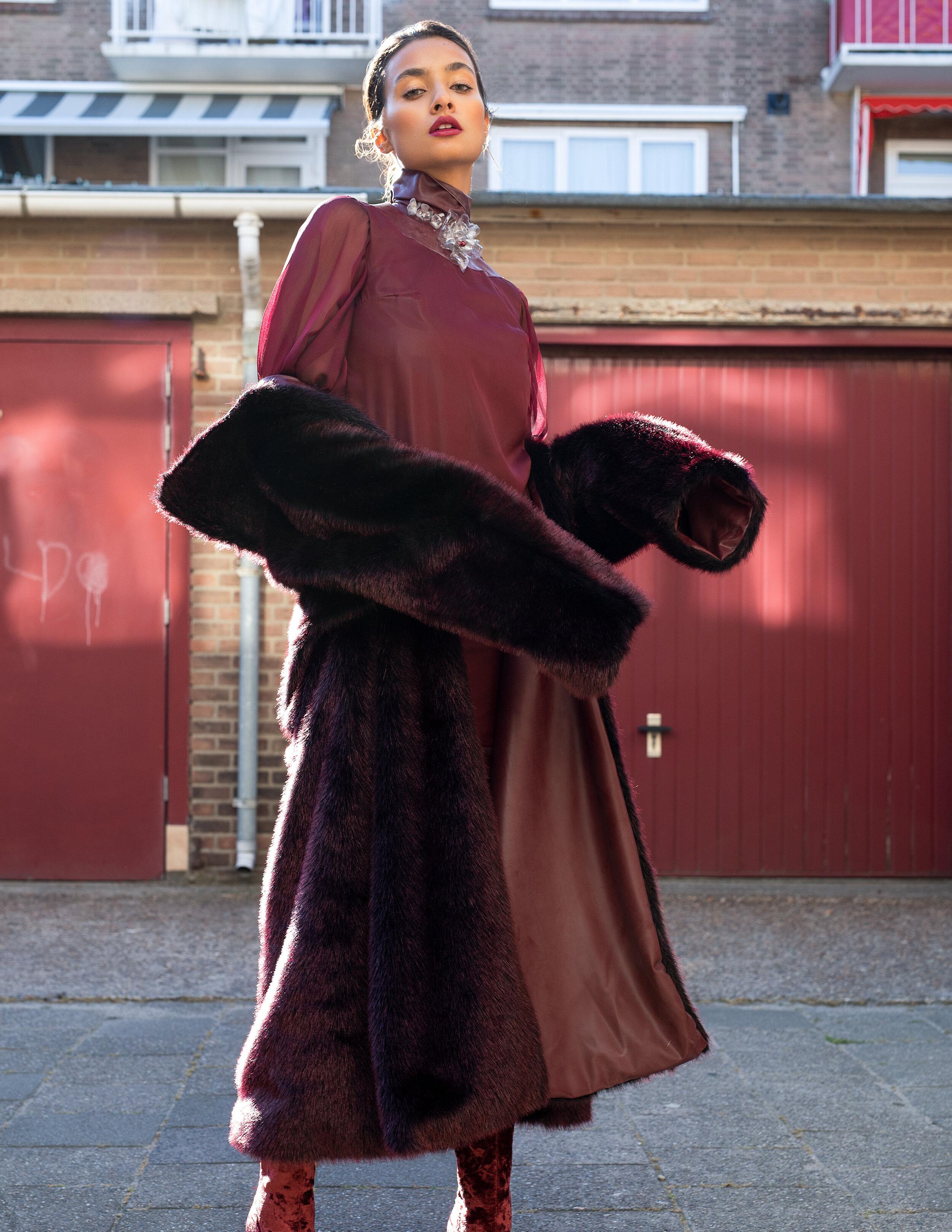 Dress: Lea Pozzi  Coat: Lea Pozzi