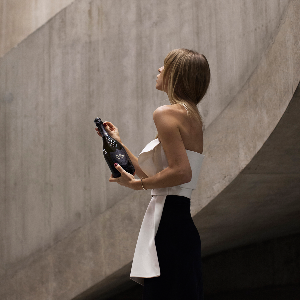 DOM PÉRIGNON - We activated a squad of influencers to enhance vintage cuvées in stylish scenes.
