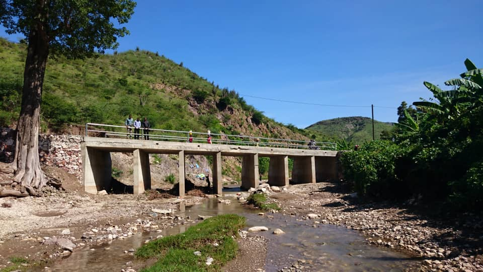 View of the new bridge over the south crossing of the La Couleuvre River.