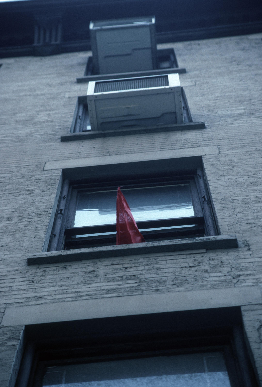 RED SPIKES ON 29TH STREET_Echelman_PhotoStudioEchelman_0012.jpg