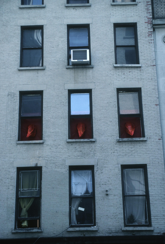 RED SPIKES ON 29TH STREET_Echelman_PhotoStudioEchelman_0014.jpg