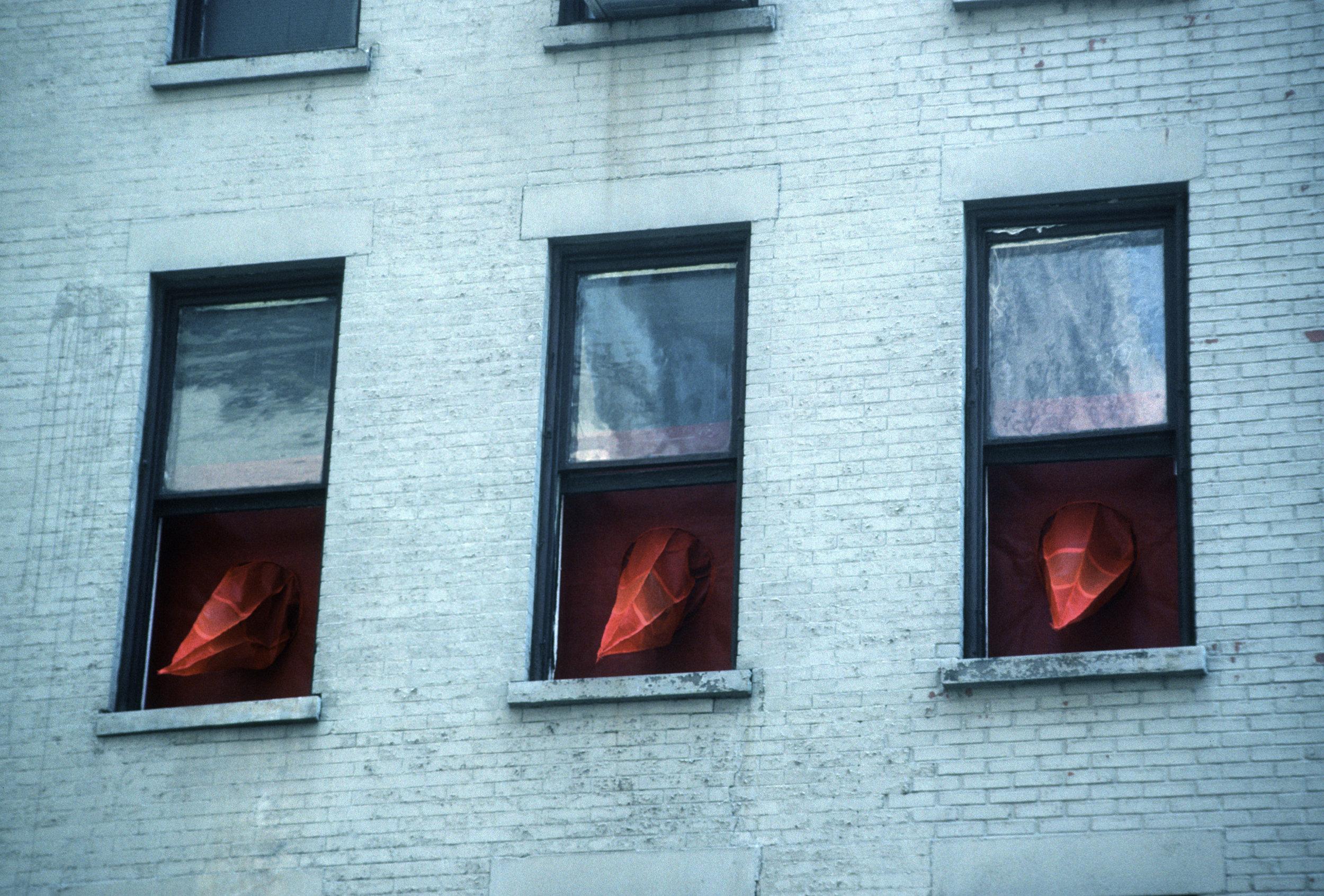 RED SPIKES ON 29TH STREET_Echelman_PhotoStudioEchelman_0015.jpg