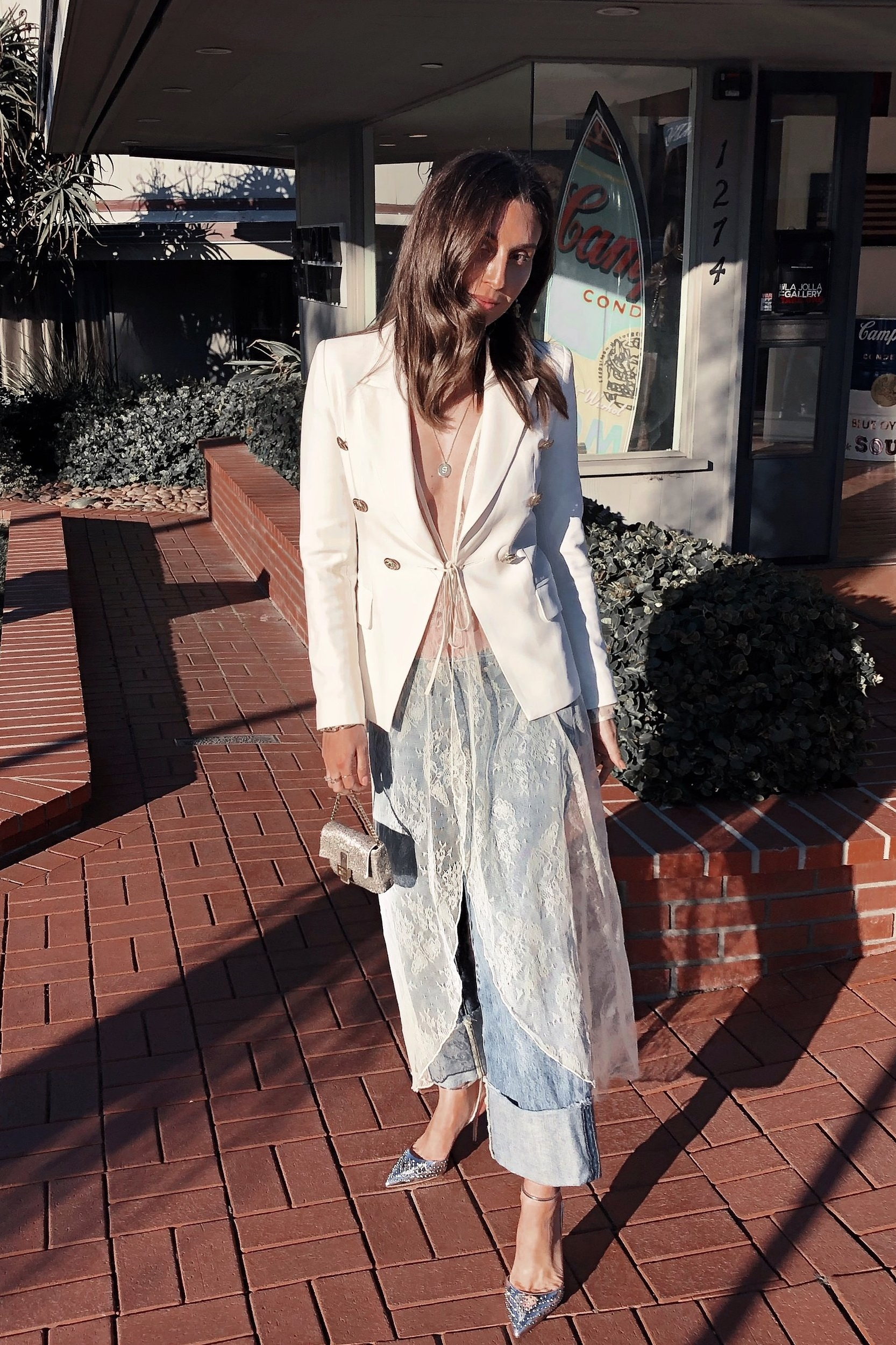 LACE DUSTER -