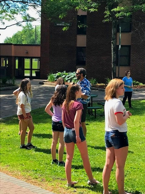 Students get outdoors to learn about leadership at SEEDS training.