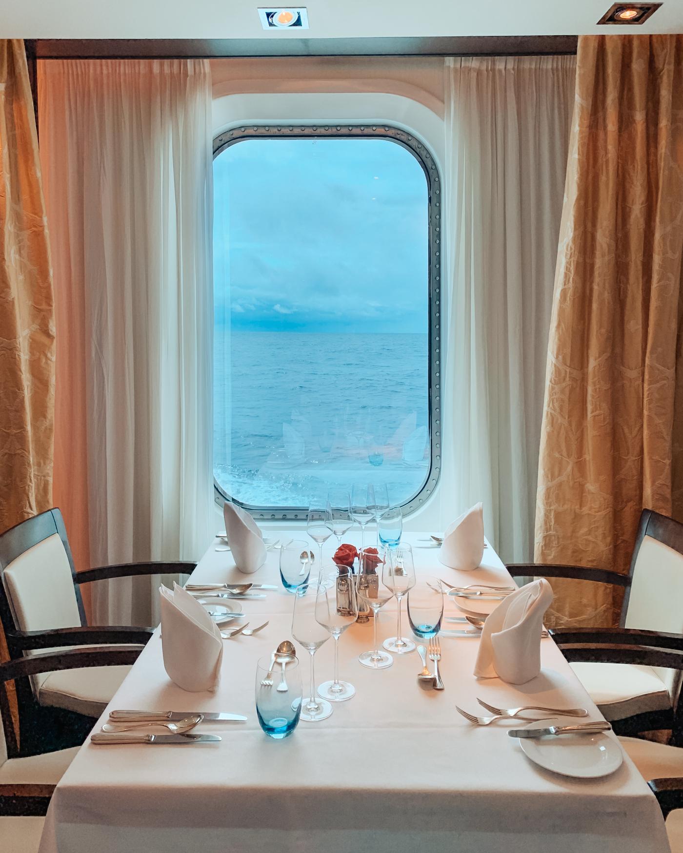 cruise-dining-window.jpg