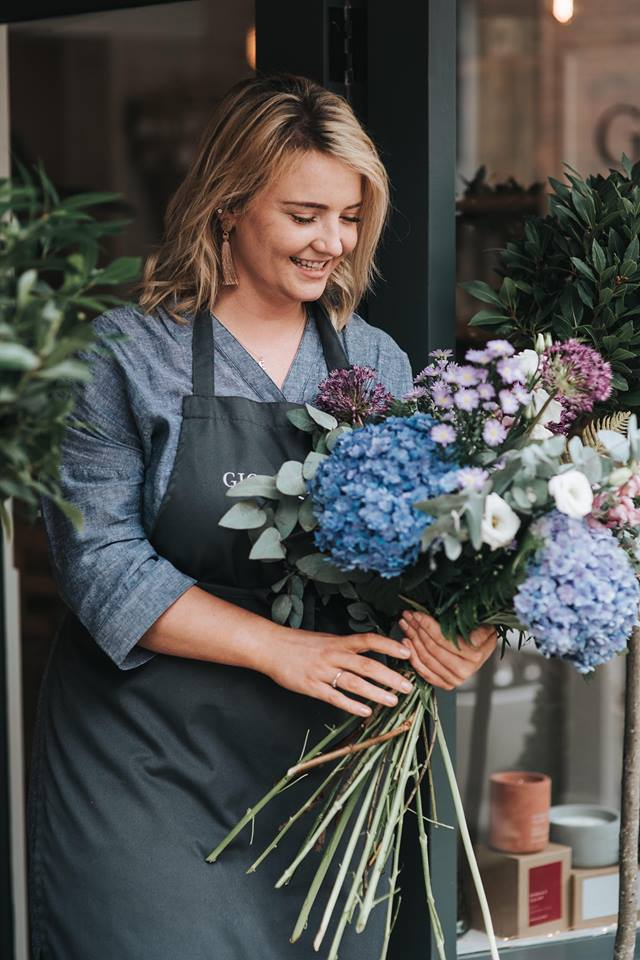 This picture really makes me want to visit Gigil & Bloom and buy flowers from Sophie!