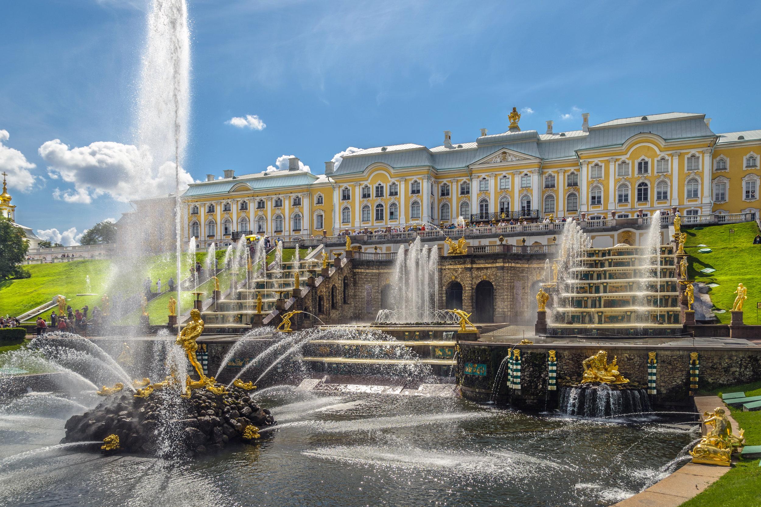Grand_Cascade_in_Peterhof_01.jpg