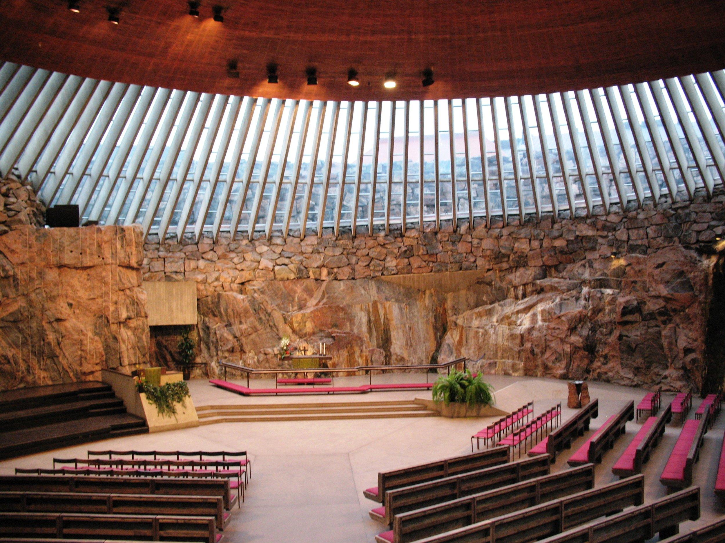 Temppeliaukio_Kirkko_(Rock_Church),_Helsinki.jpg