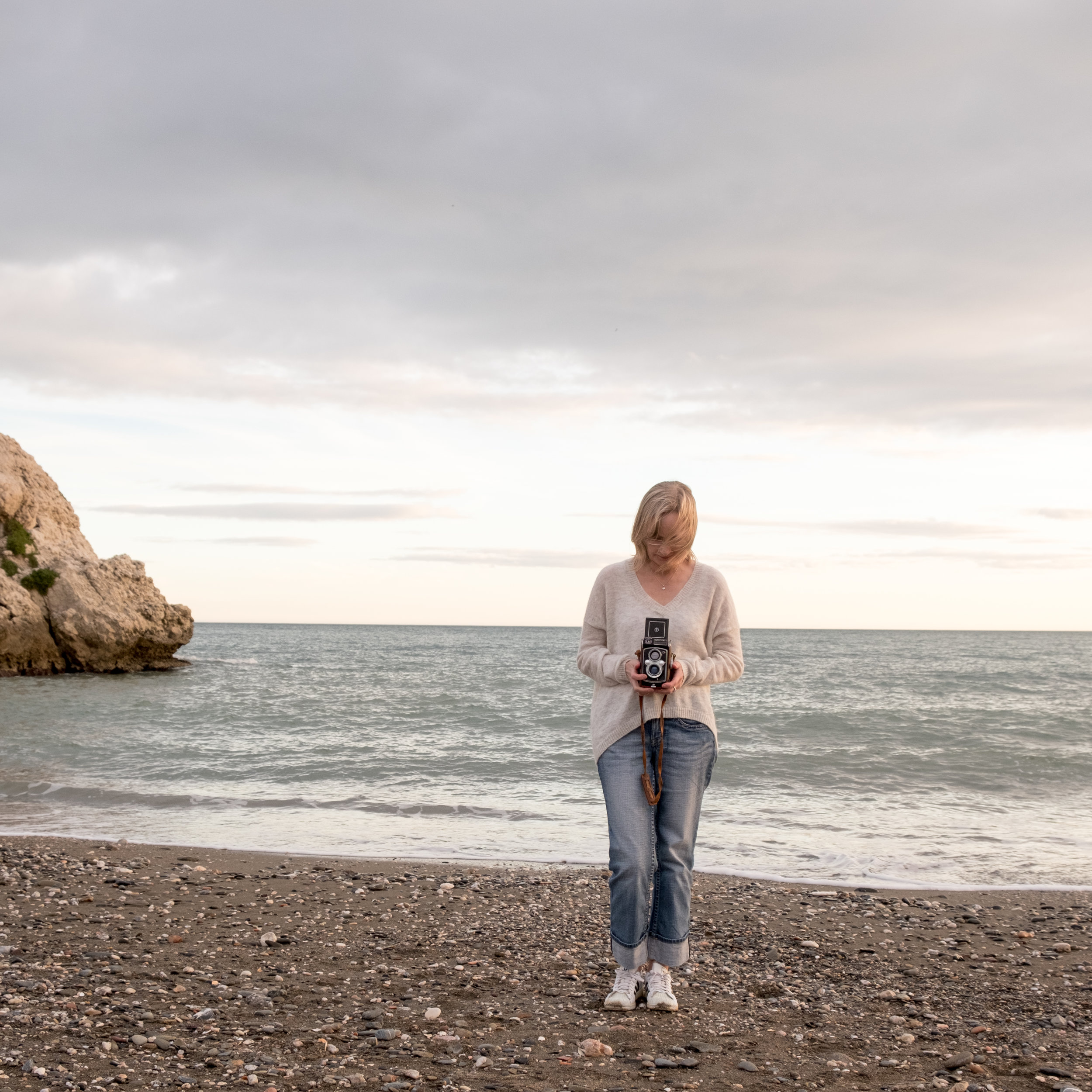 - Daughter and sister of photographer, left Finland to explore the world and finally laid down roots in Malaga. Love to collect moments through travelling and photography.