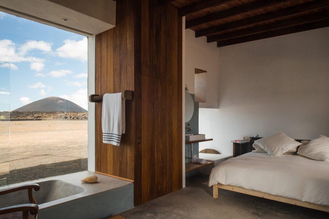 Buenavista-Lanzarote-Country-Suites-Casa-Oeste-bedroom--1079x720.jpg