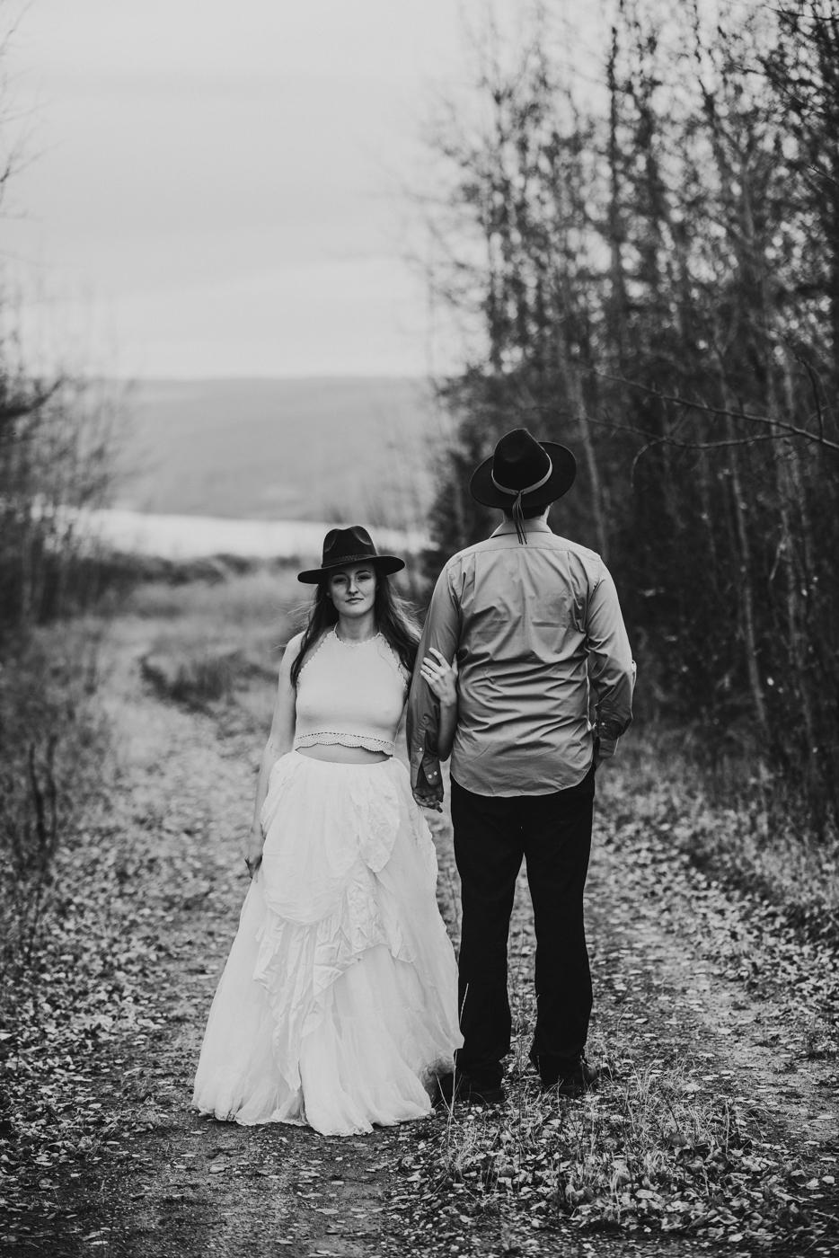 FortSt.John_photographer_TyraEPhotography_Wedding_Couple_Family_Photograhy_DawsonCreek_Elopement_Bride_Boduoir_Portraits-26.jpg