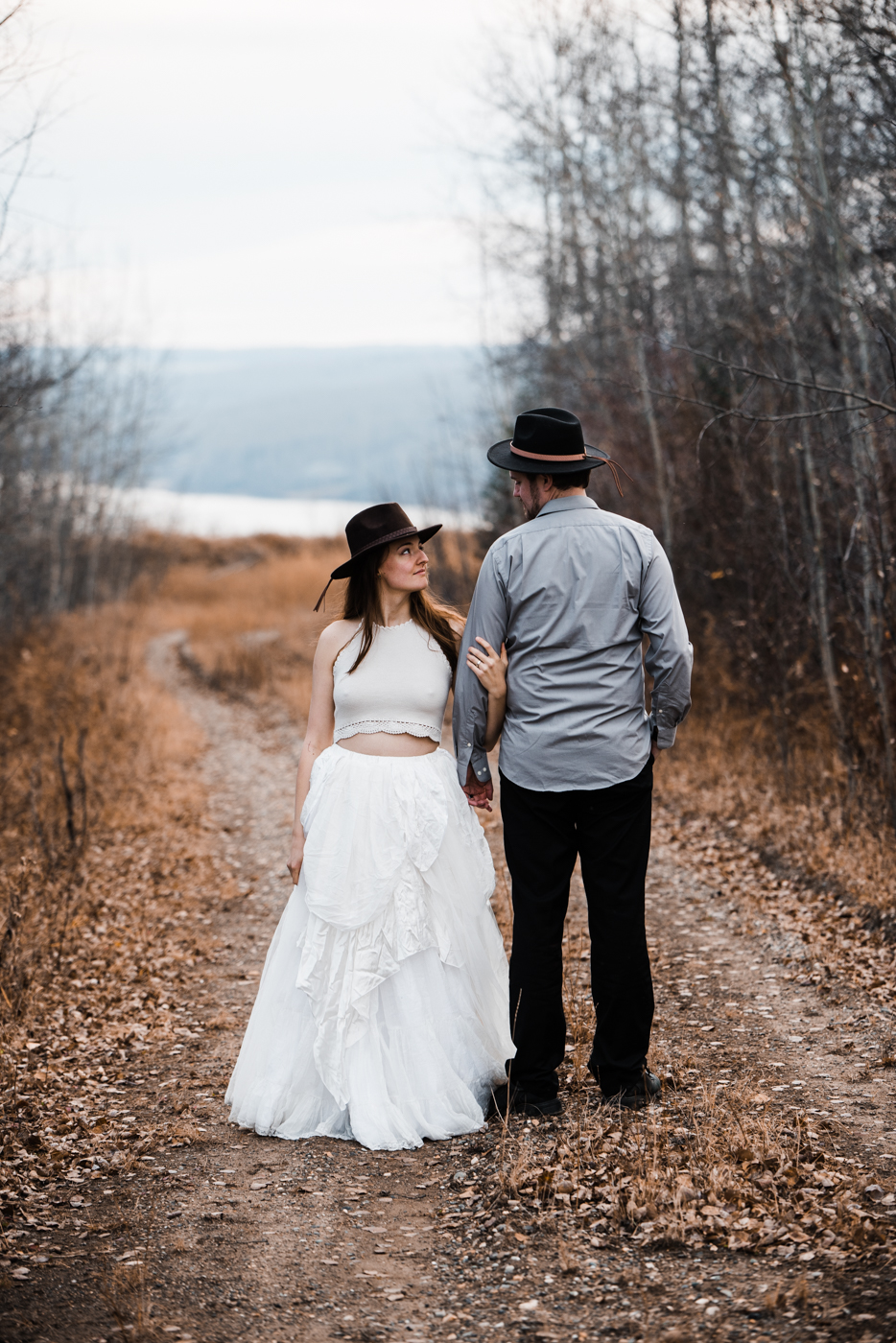 FortSt.John_photographer_TyraEPhotography_Wedding_Couple_Family_Photograhy_DawsonCreek_Elopement_Bride_Boduoir_Portraits-27.jpg