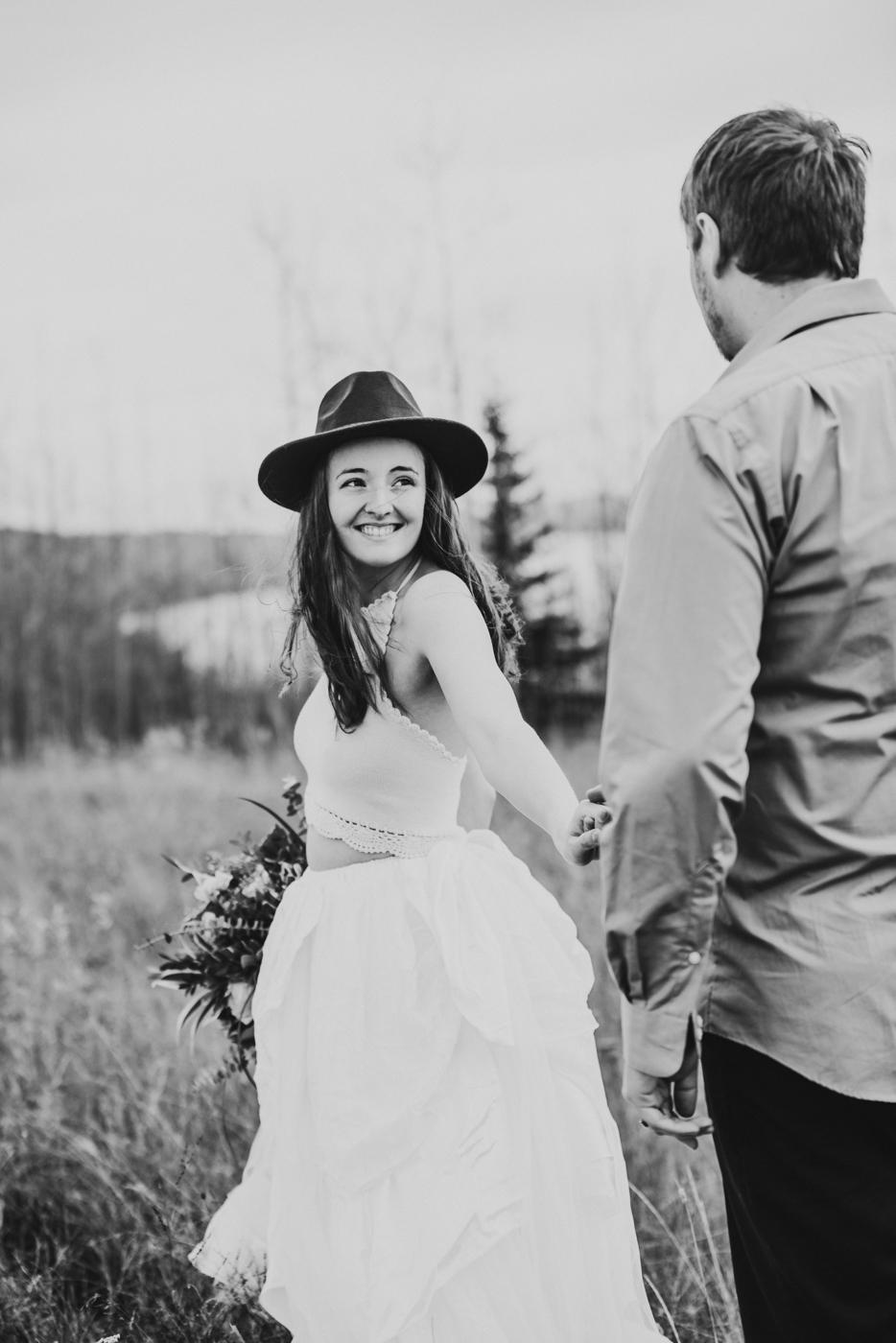 FortSt.John_photographer_TyraEPhotography_Wedding_Couple_Family_Photograhy_DawsonCreek_Elopement_Bride_Boduoir_Portraits-33.jpg