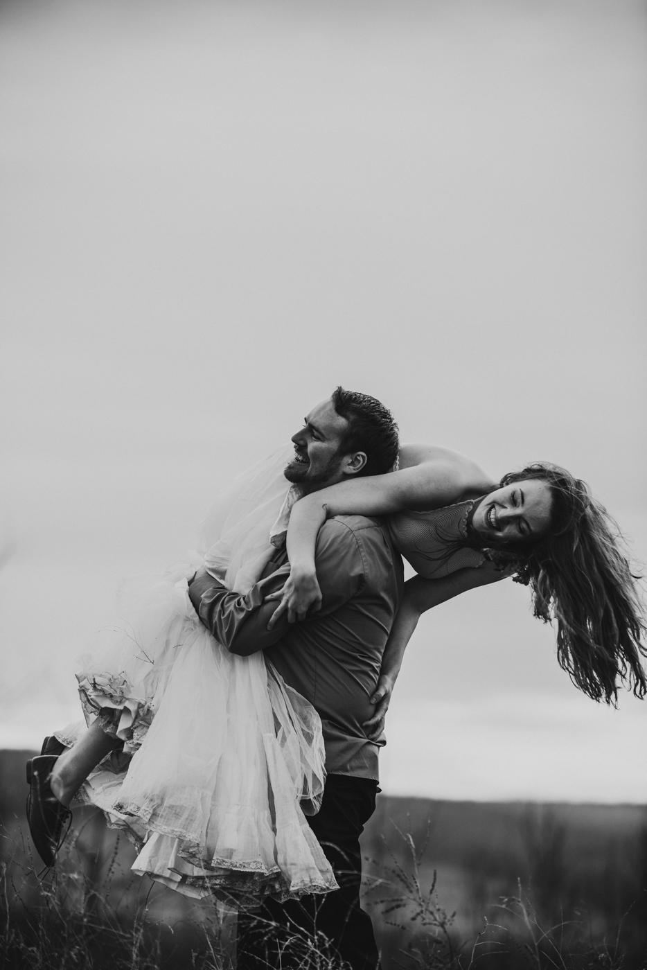 FortSt.John_photographer_TyraEPhotography_Wedding_Couple_Family_Photograhy_DawsonCreek_Elopement_Bride_Boduoir_Portraits-39.jpg
