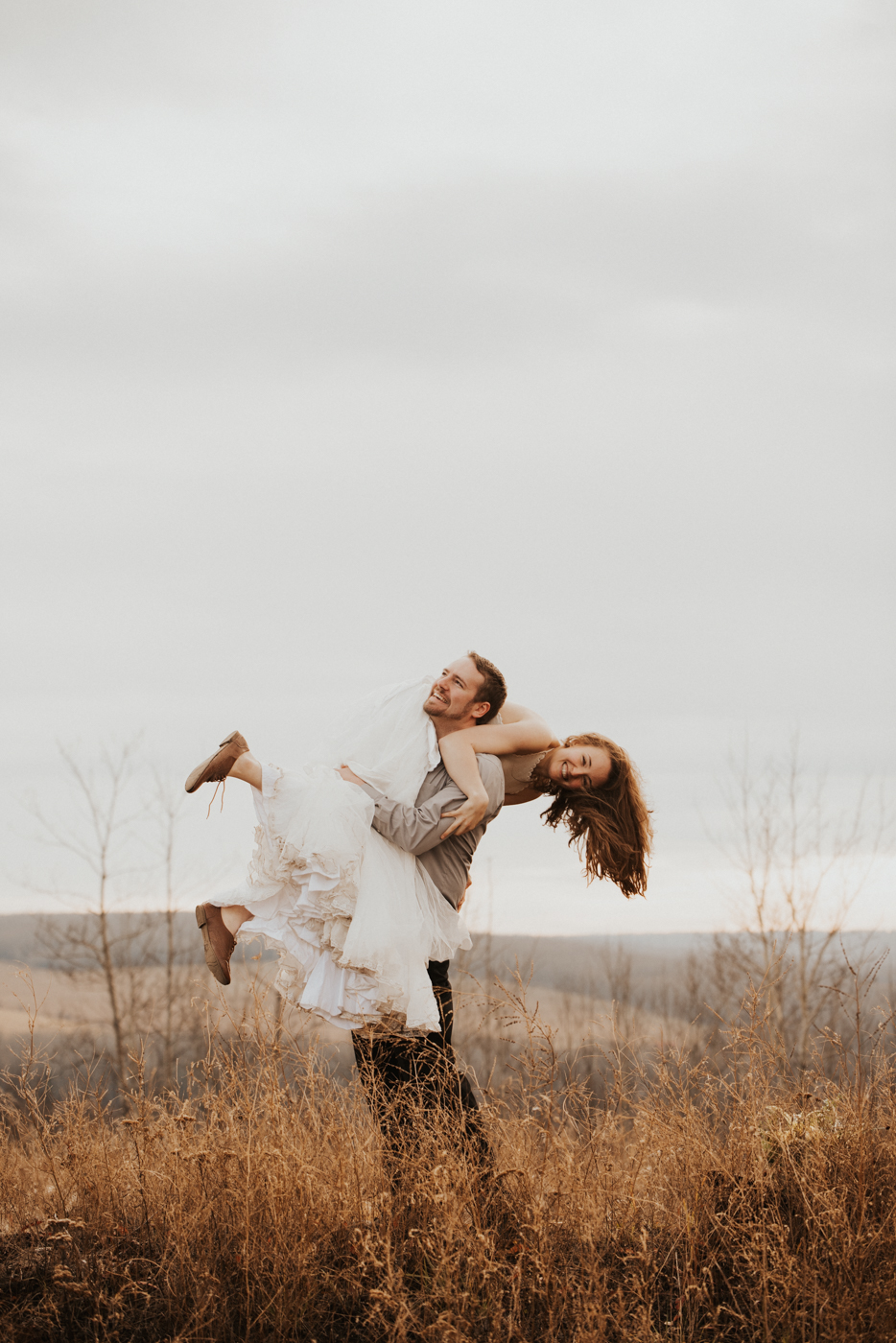 FortSt.John_photographer_TyraEPhotography_Wedding_Couple_Family_Photograhy_DawsonCreek_Elopement_Bride_Boduoir_Portraits-38.jpg