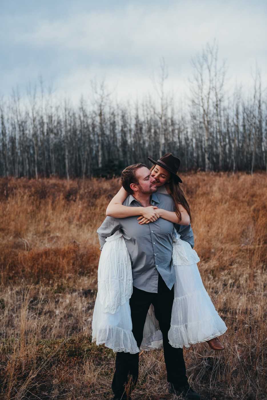 FortSt.John_photographer_TyraEPhotography_Wedding_Couple_Family_Photograhy_DawsonCreek_Elopement_Bride_Boduoir_Portraits-45.jpg