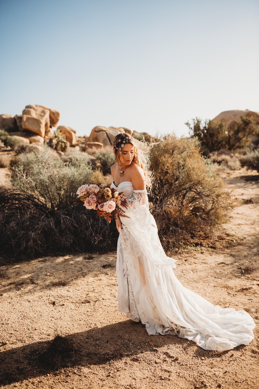 FortSt.John_photographer_TyraEPhotography_Wedding_Couple_Family_Photograhy_DawsonCreek_Elopement_Bride_Boduoir_Portraits-4866.jpg