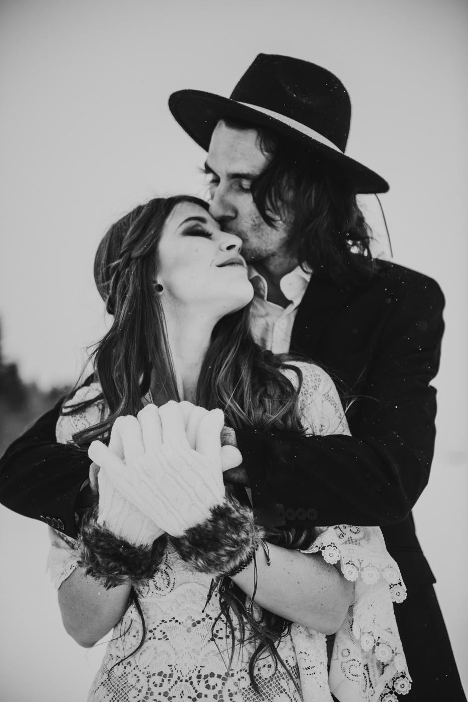 FortSt.John_photographer_TyraEPhotography_Wedding_Couple_Family_Photograhy_DawsonCreek_Elopement_Bride_Boduoir_Portraits-5051.jpg