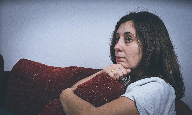 MIKONOWICZ-woman-alone-Fear-loneliness-depression-min.jpg