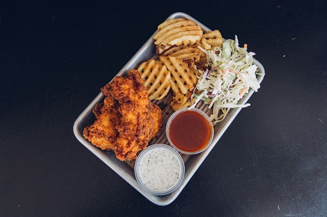 Sorry about your student debt, here's some chicken. CHAPMAN STUDENTS, bring a valid student ID to Bruxie Orange and get a 4-piece meal for $5!⁣ ⠀⠀⠀⠀⠀⠀⠀⠀⁣ ⠀⠀⠀⠀⠀⠀⠀⠀⁣ ⠀⠀⠀⠀⠀⠀⠀⠀⠀⁣ ⠀⠀⠀⠀⠀⠀⠀⠀⠀⁣ #bruxie #friedchicken #chicken #feedfeed #hungry #nomnom #foodporn #foodblogger #foodiegram #foodie #igfood #bruxiewaffles #collegenight #college #chapmanu #chapmanuniversity #chapman #collegelife #collegestudent⁣