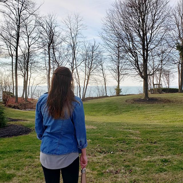 You can find me staring off into the horizon. 😍 Isn't this view so beautiful? . . . . . . . . . . . . . . . #wholeheartedliving #insearchofjoy #thefreewoman #bevulnerable #intentionalliving #personalgrowthjourney #livingintentionally #intentionallife #intentionallivingblog #intentionallifestyle #intentionalchoices #onestepatatime #gritandgrace #gritandvirtue #dailydarling #photosinbetween #thedailybasic #intentionalblogger #bppgals #bppspringproject #blogpassionproject #pennsylvaniablogger #theauthenticwoman #happyselves #discoverunder1k #bloglifestyle #authenticbloggers #selfcareblogger #pursuepretty #lovingspring