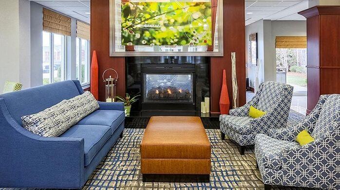 hilton-summit-lounge.jpg