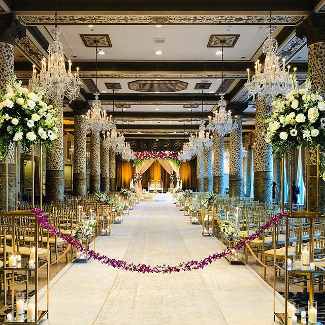 The magnificent walkway at Sarah and Avi's wedding. #views #weddingwalkway #drakehotelchicago #indianwedding #shaadientertainment #trustkrush @yannidesignstudio with the amazing decor.