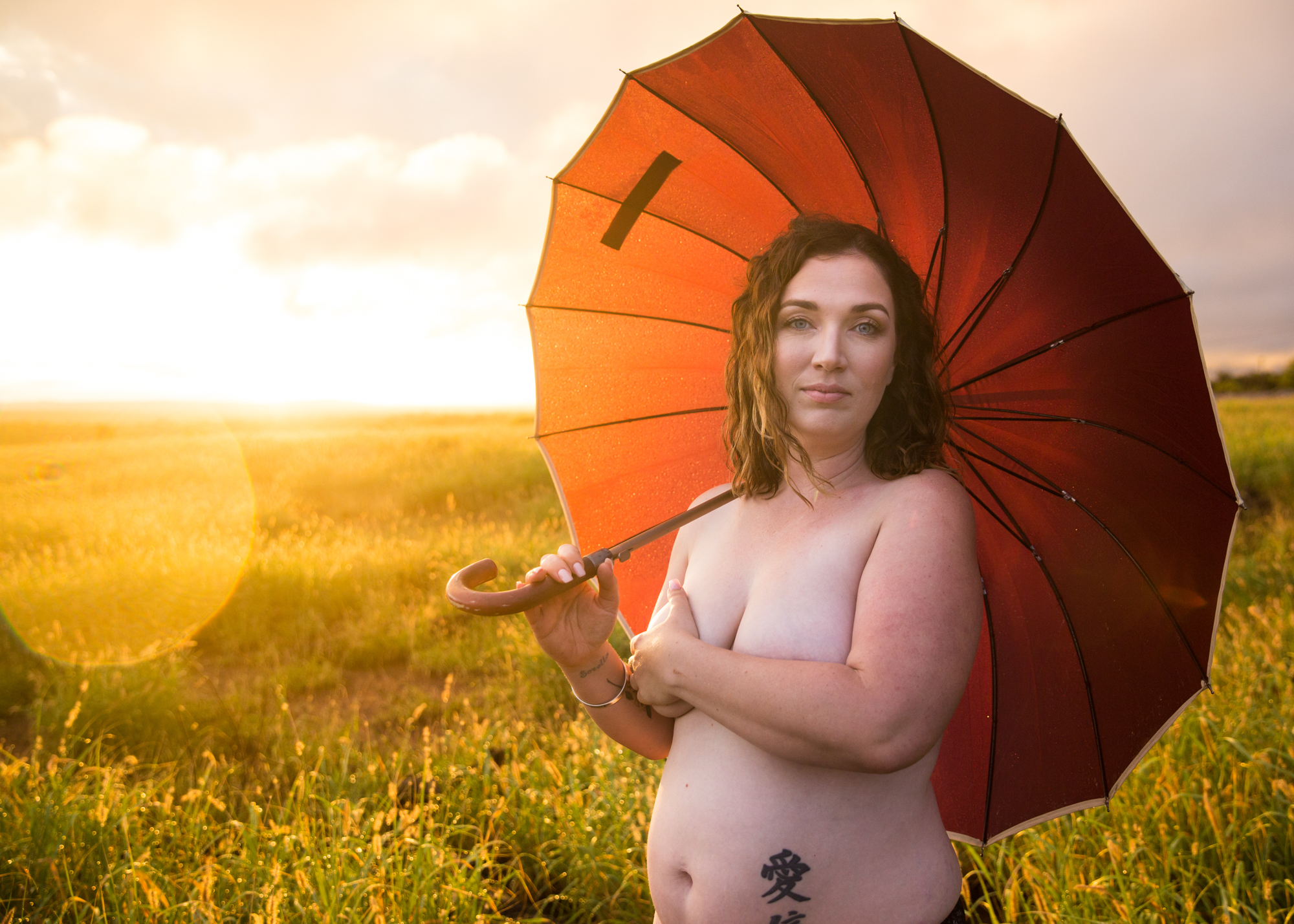 """I really love my body at any size and how strong and capable it is. I would describe my relationship with my body as very good. I had a mother who never didn't not like her body and that really helped. Being comfortable with who you are is not defined by size."" - - emily mills📷 deelightful photography"