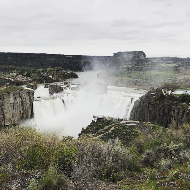 "Fantastic Easter morning run with @samsonqschnoodle on the Snake River Canyon Trail down to Shoshone Falls, the ""Niagara of the West."" Fun fact:  they're actually 45 feet taller than Niagara Falls."