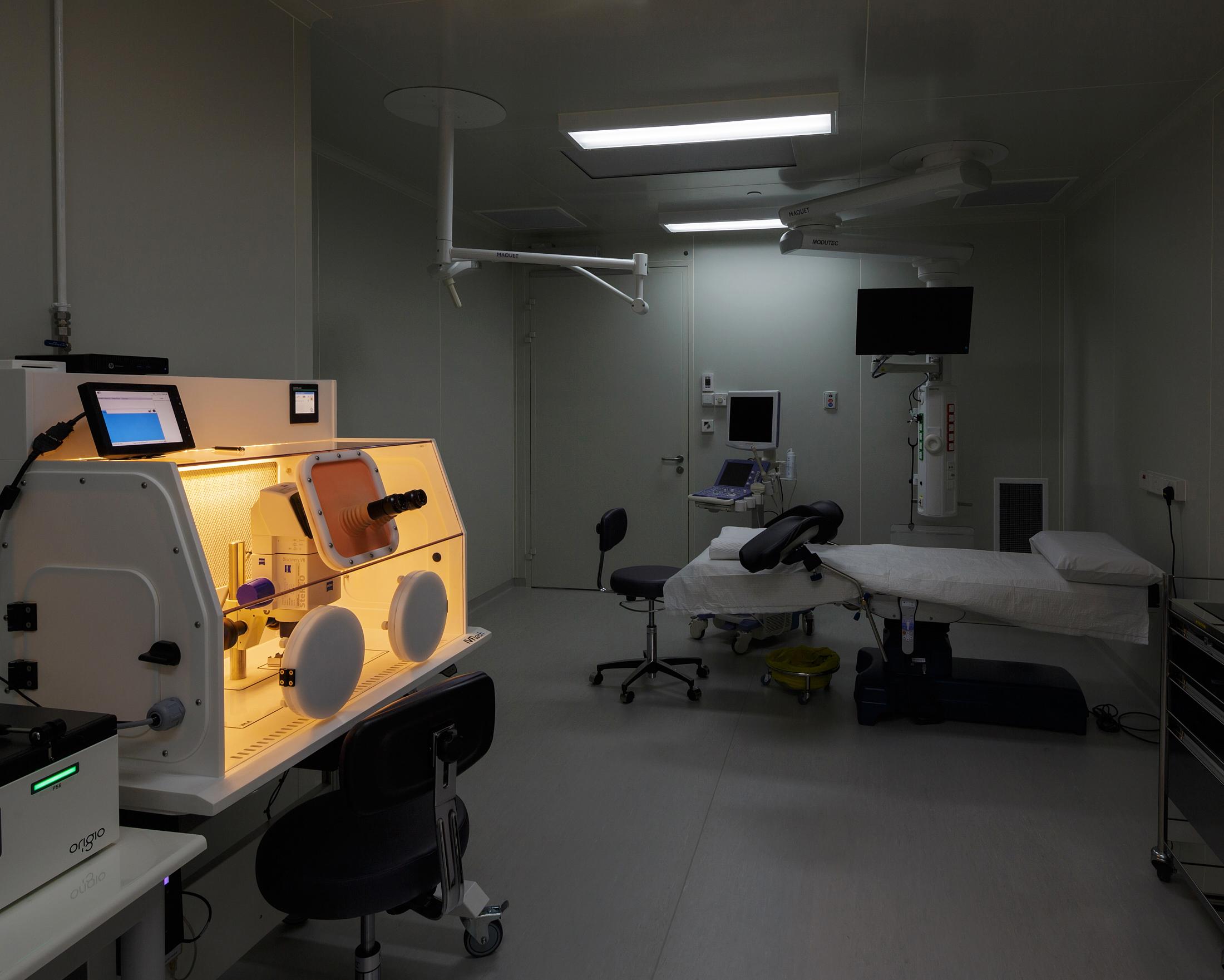 operating theatre   client: Virtus Fertility design: archlab