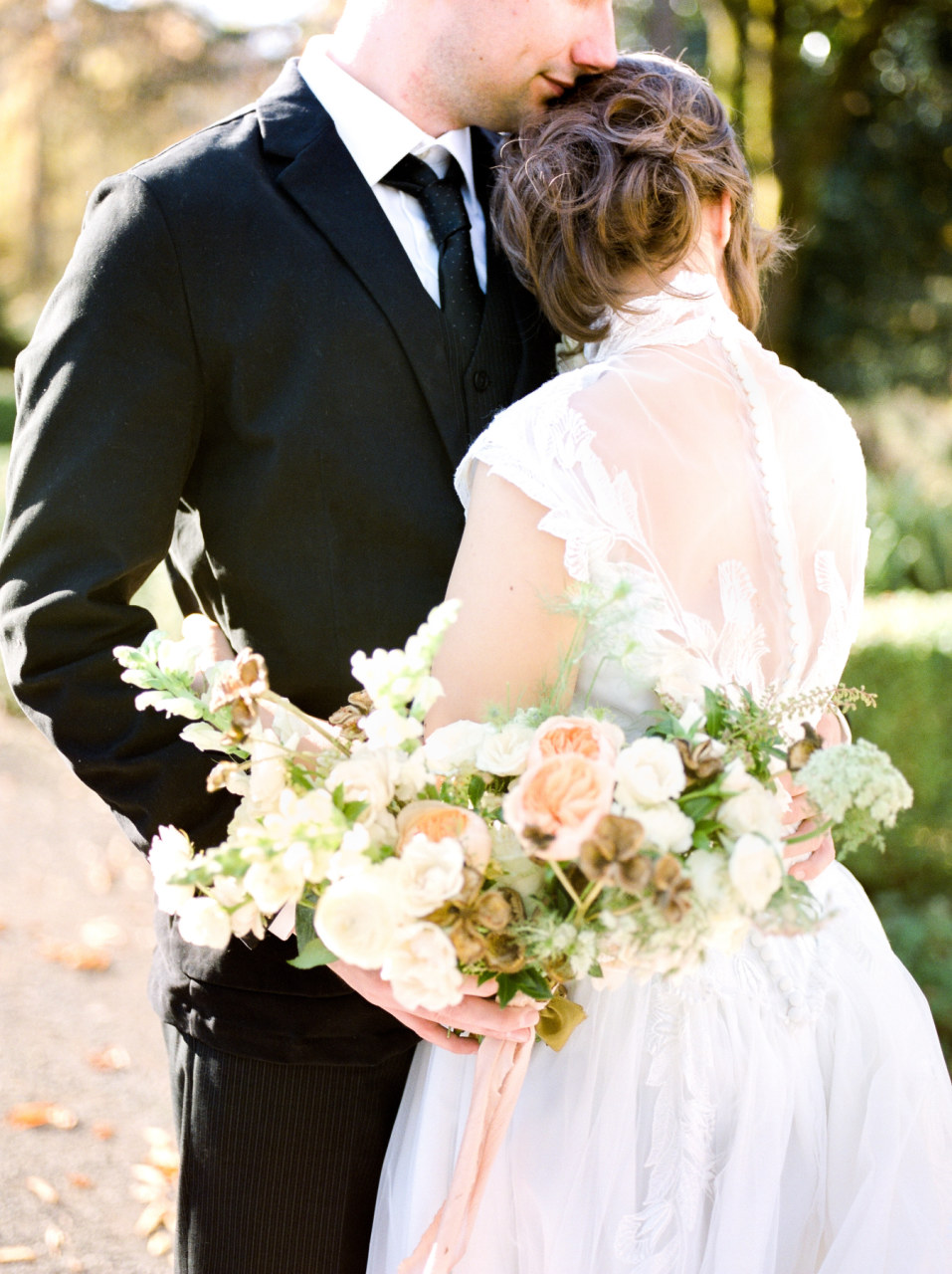 Timeless heirloom wedding inspiration. Photography by Mylyn Wood Photography. Paper Goods by Caitlin O'Bryant Design. Florals: Caroline Reusen Flowers. Models: Jens Behind the Lens. HAMU: Coreene Collins Hair. Styling Assistant: Jessica Staley.