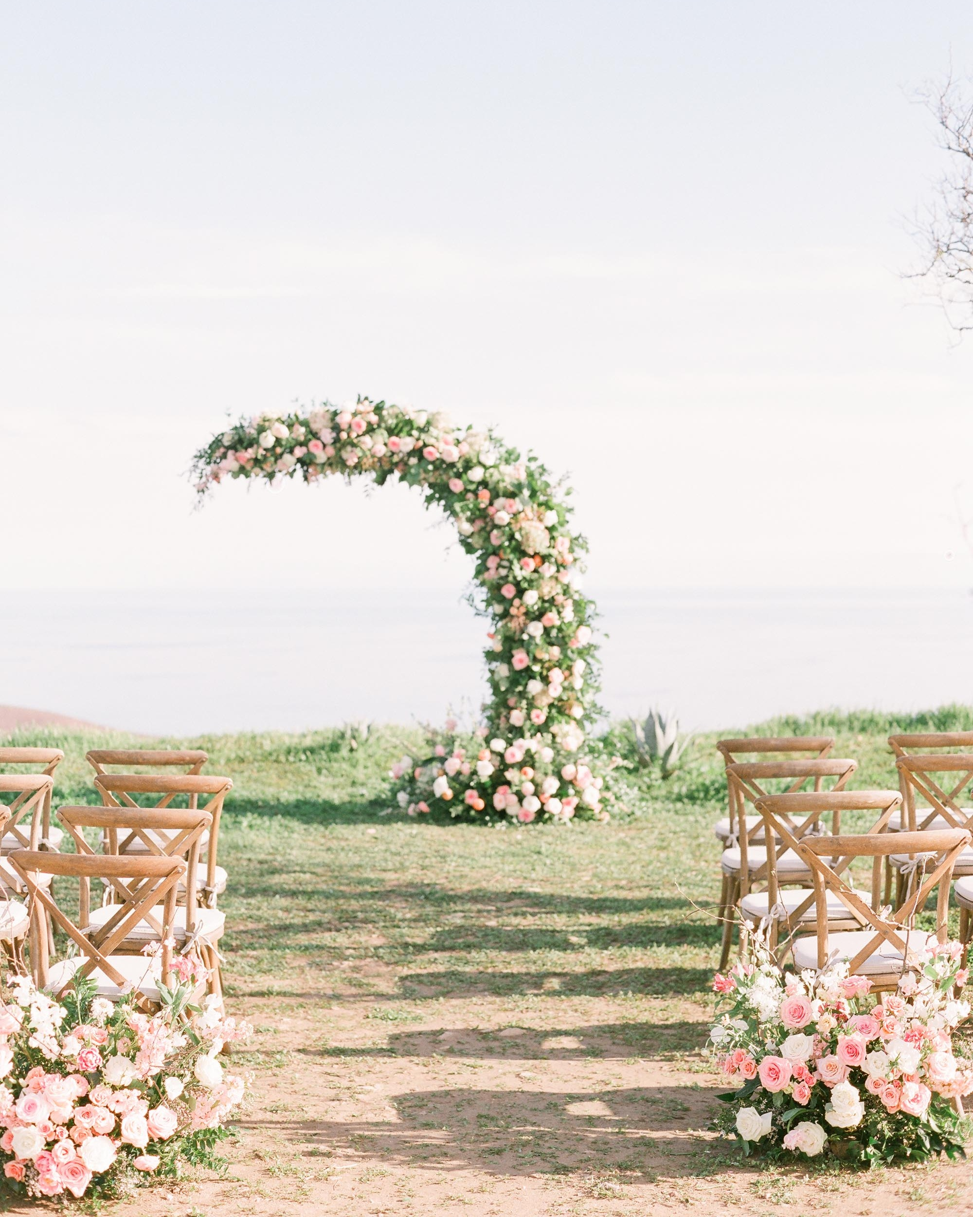 Photo by Julie Paisley. Planning by Heather Benge Events. Hosted at Deer Creek Ridge. Florals by Royal Bee Flower Co.