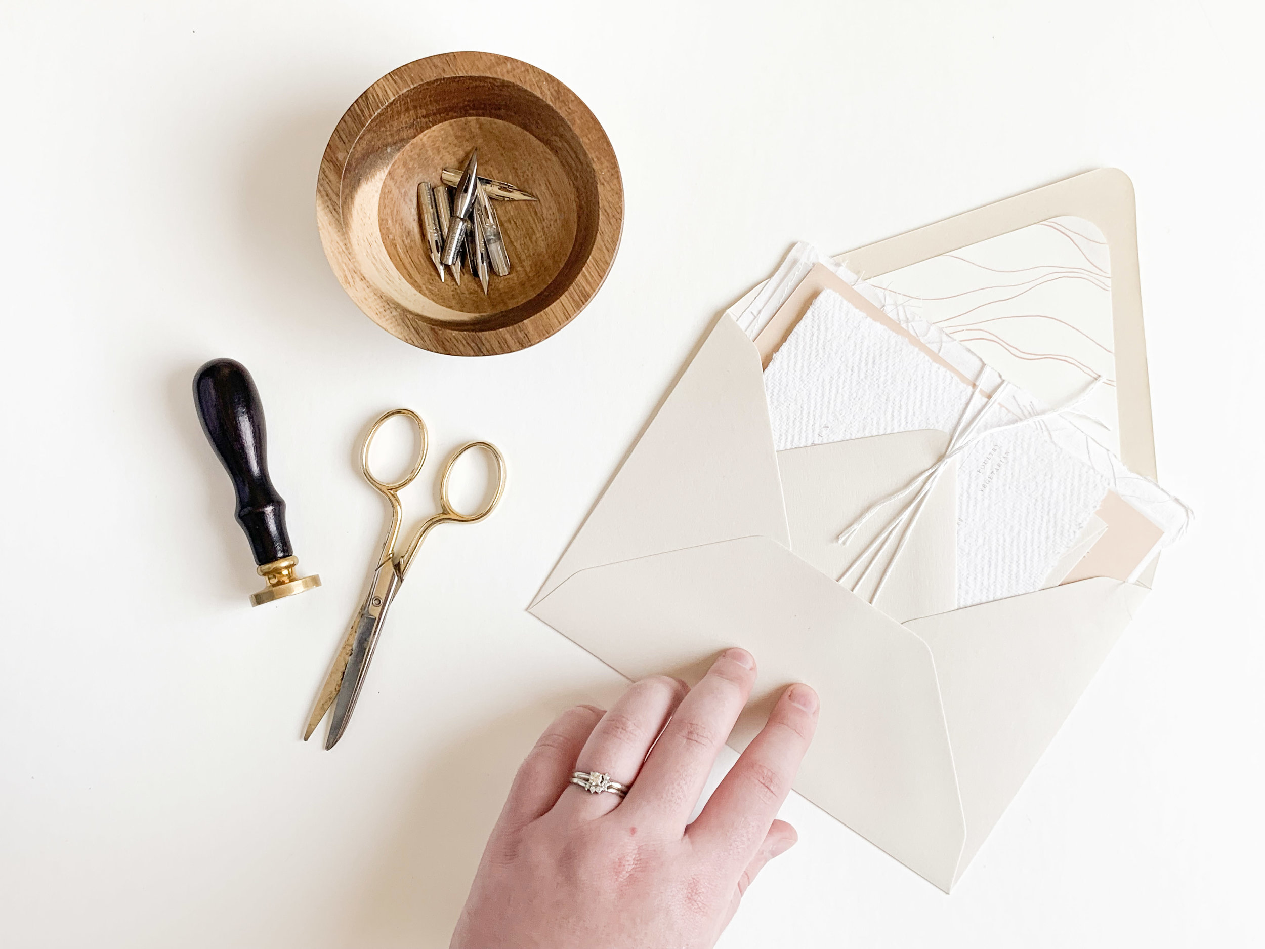 How to style stationery flat lays. Flat lay styling tips and tricks for photographers, planners, stylists, and invitation designers!